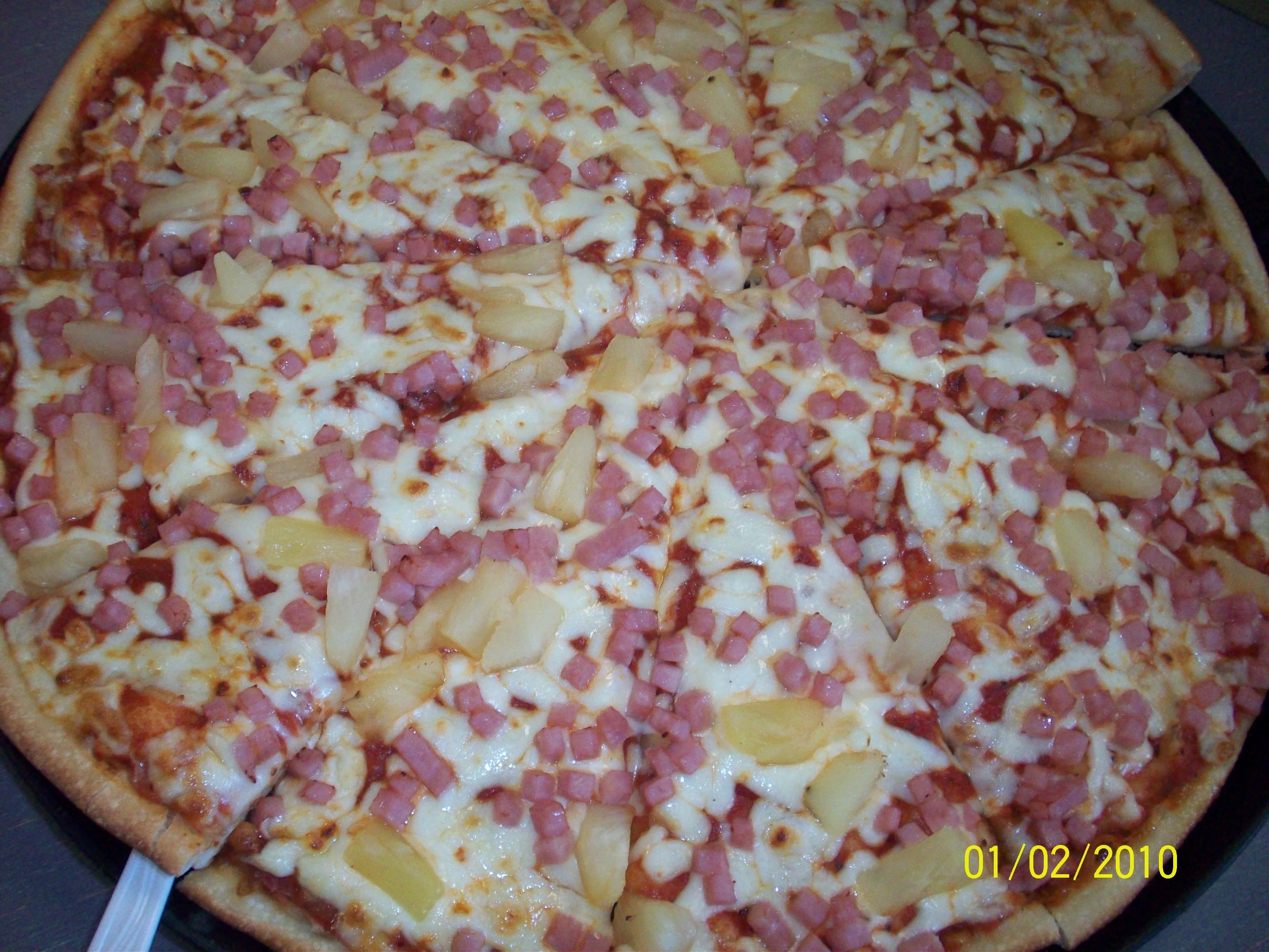 cutie • 2010-02-01 • Hawaiian Pizza