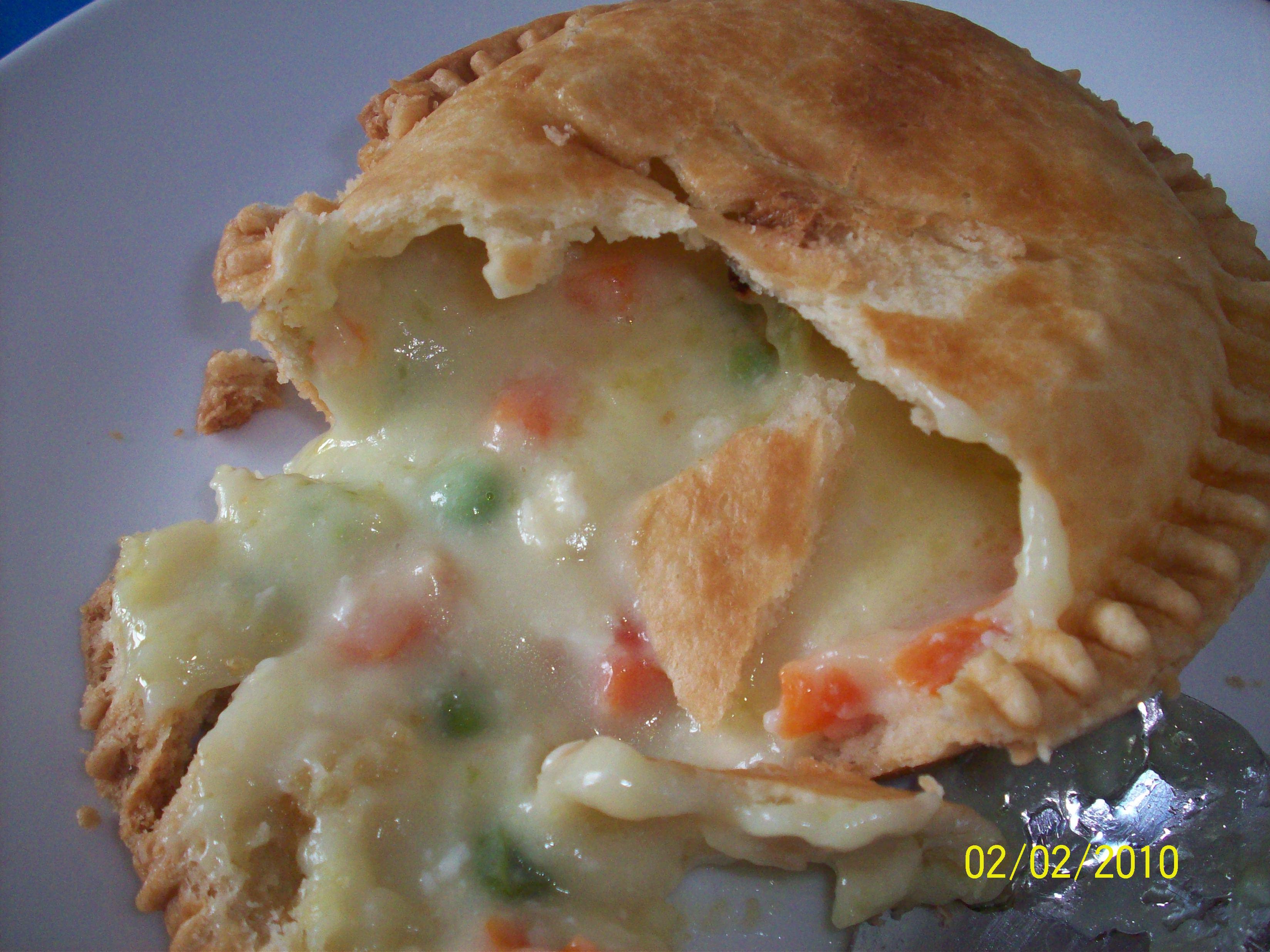 http://foodloader.net/cutie_2010-02-02_Chicken_Pot_Pie.jpg