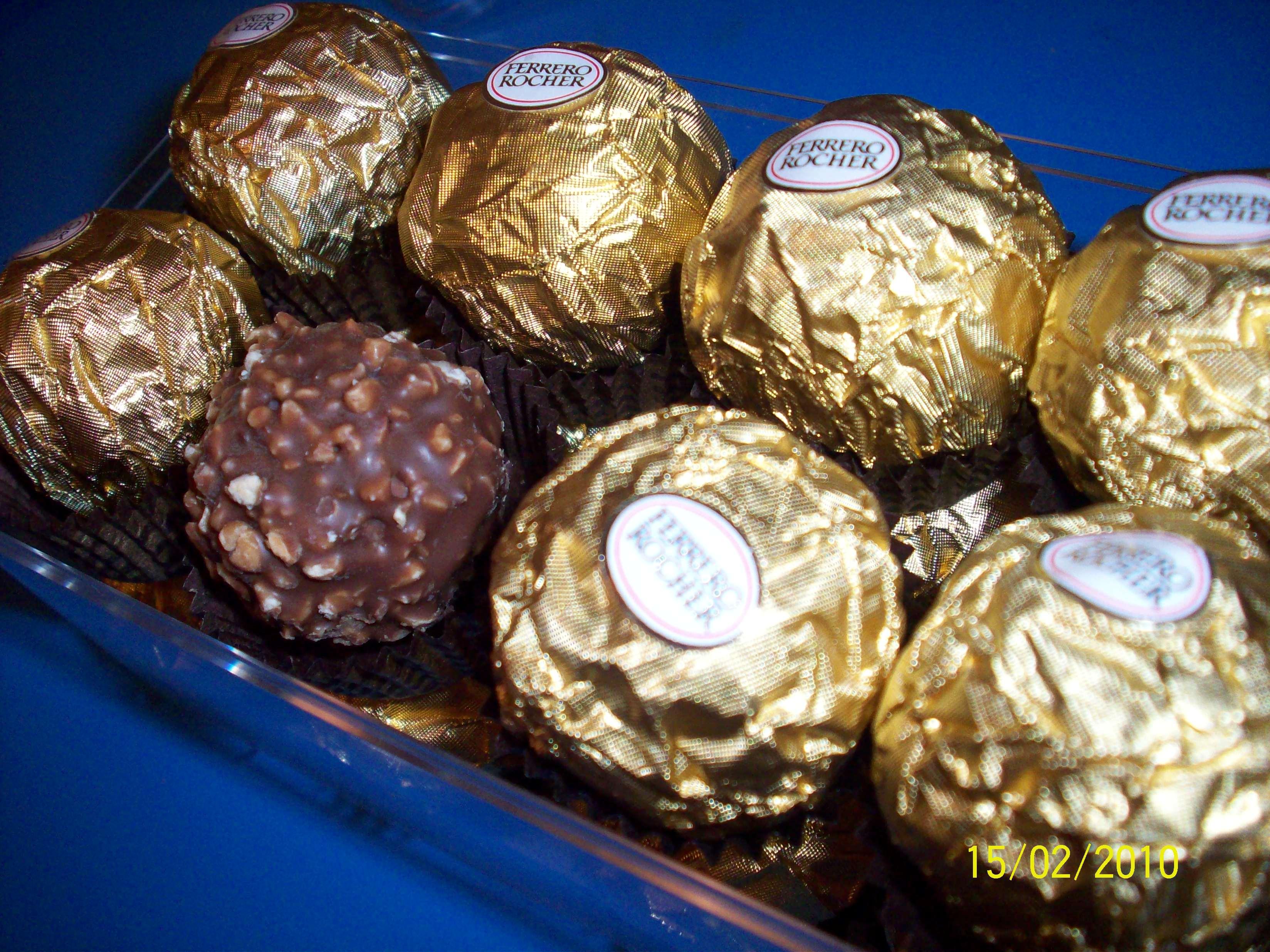 http://foodloader.net/cutie_2010-02-15_Ferrero_Rocher.jpg