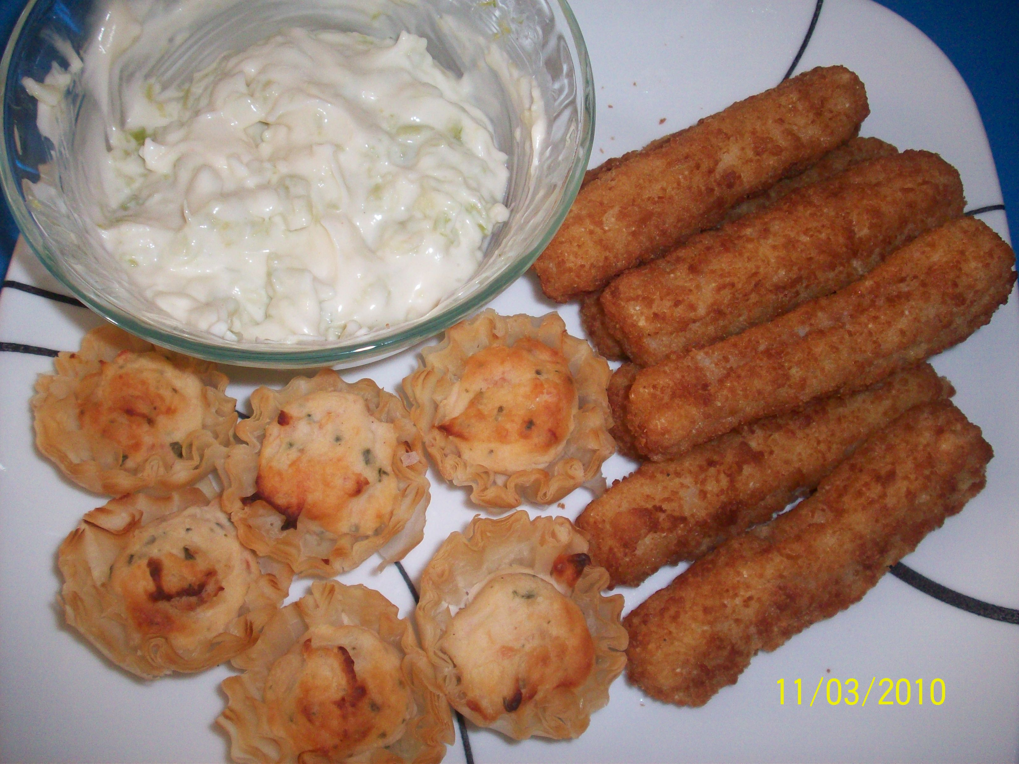 http://foodloader.net/cutie_2010-03-11_Phyllo_Tart_and_Fish_Sticks.jpg