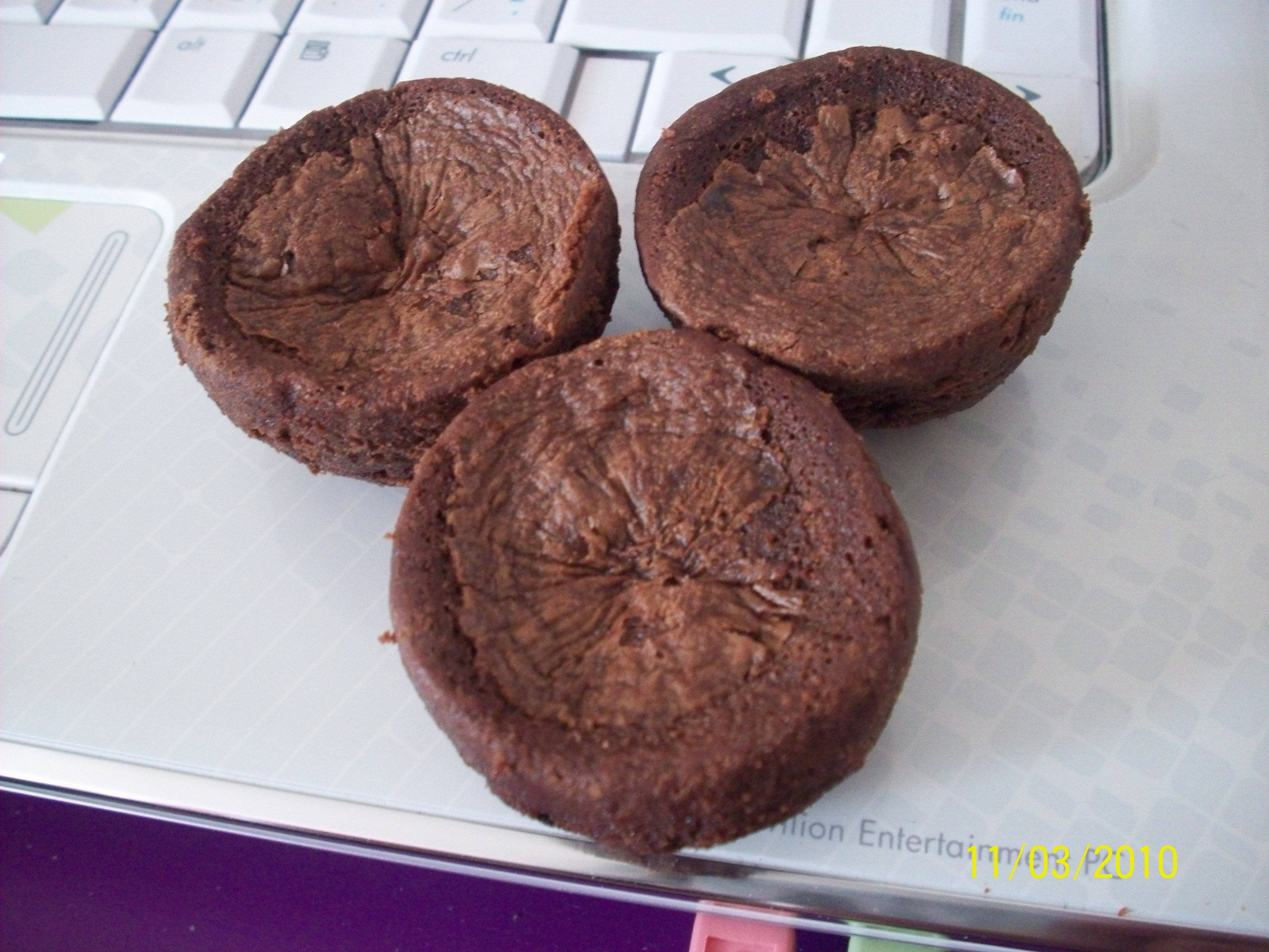 http://foodloader.net/cutie_2010-03-11_Two-Bite_Brownies.jpg