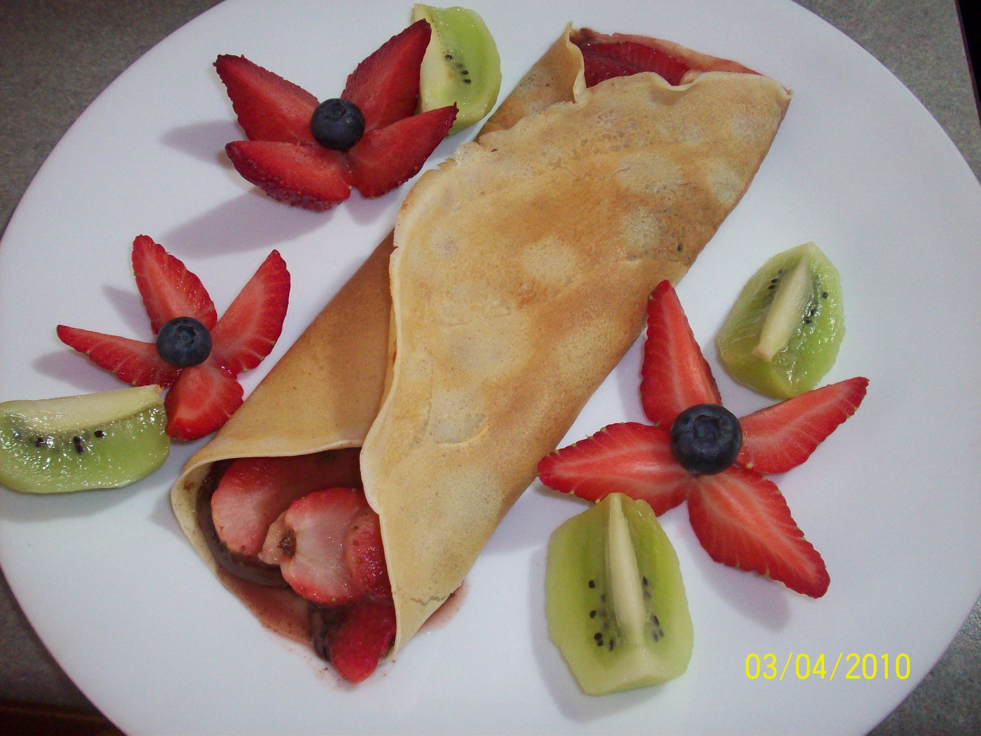 http://foodloader.net/cutie_2010-04-04_Cr__pes_with_strawberries__bananas_and_Nutella2.jpg