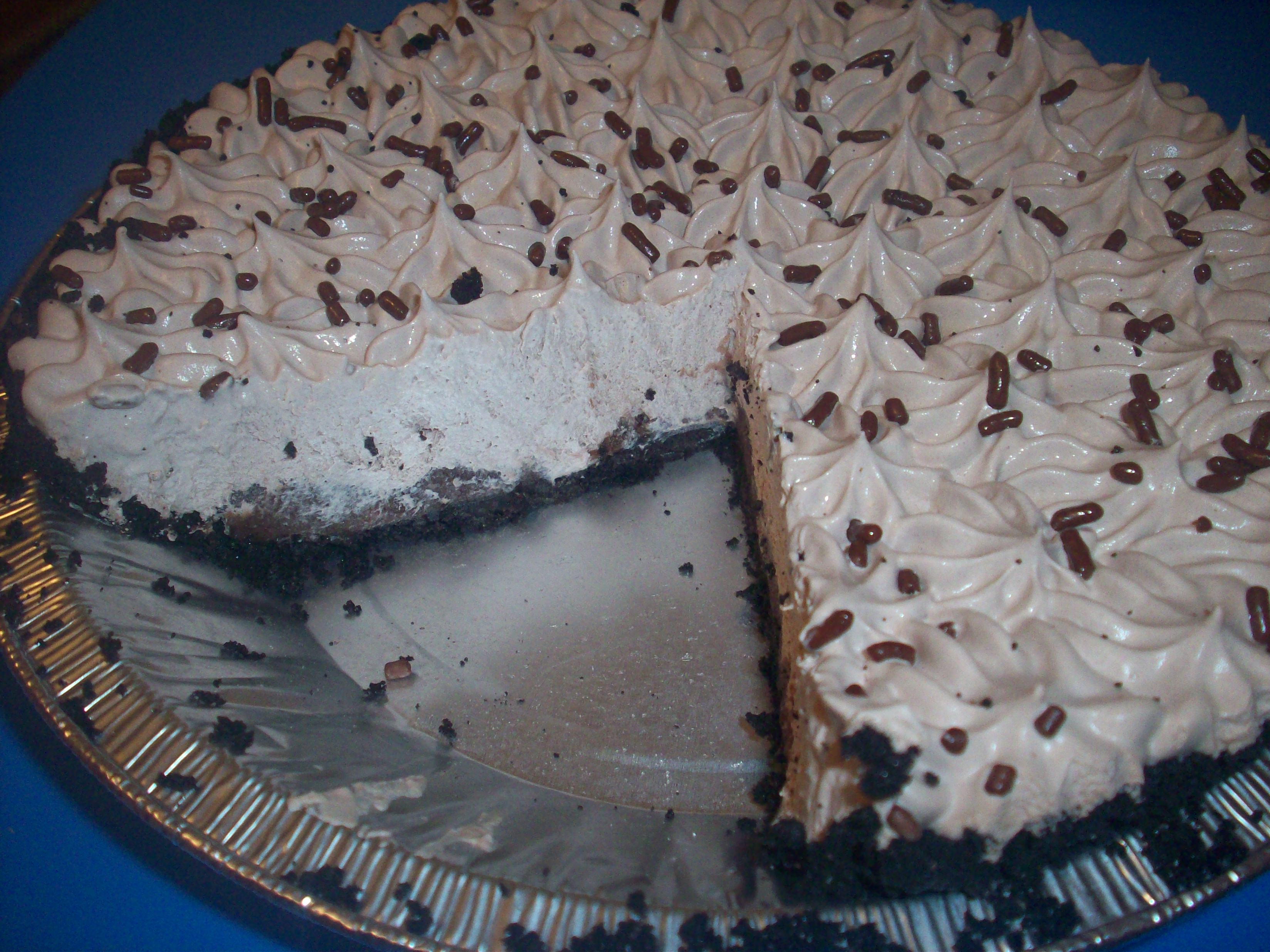 http://foodloader.net/cutie_2010-04-21_KFCs_Triple_Chocolate_Mud_Pie.jpg