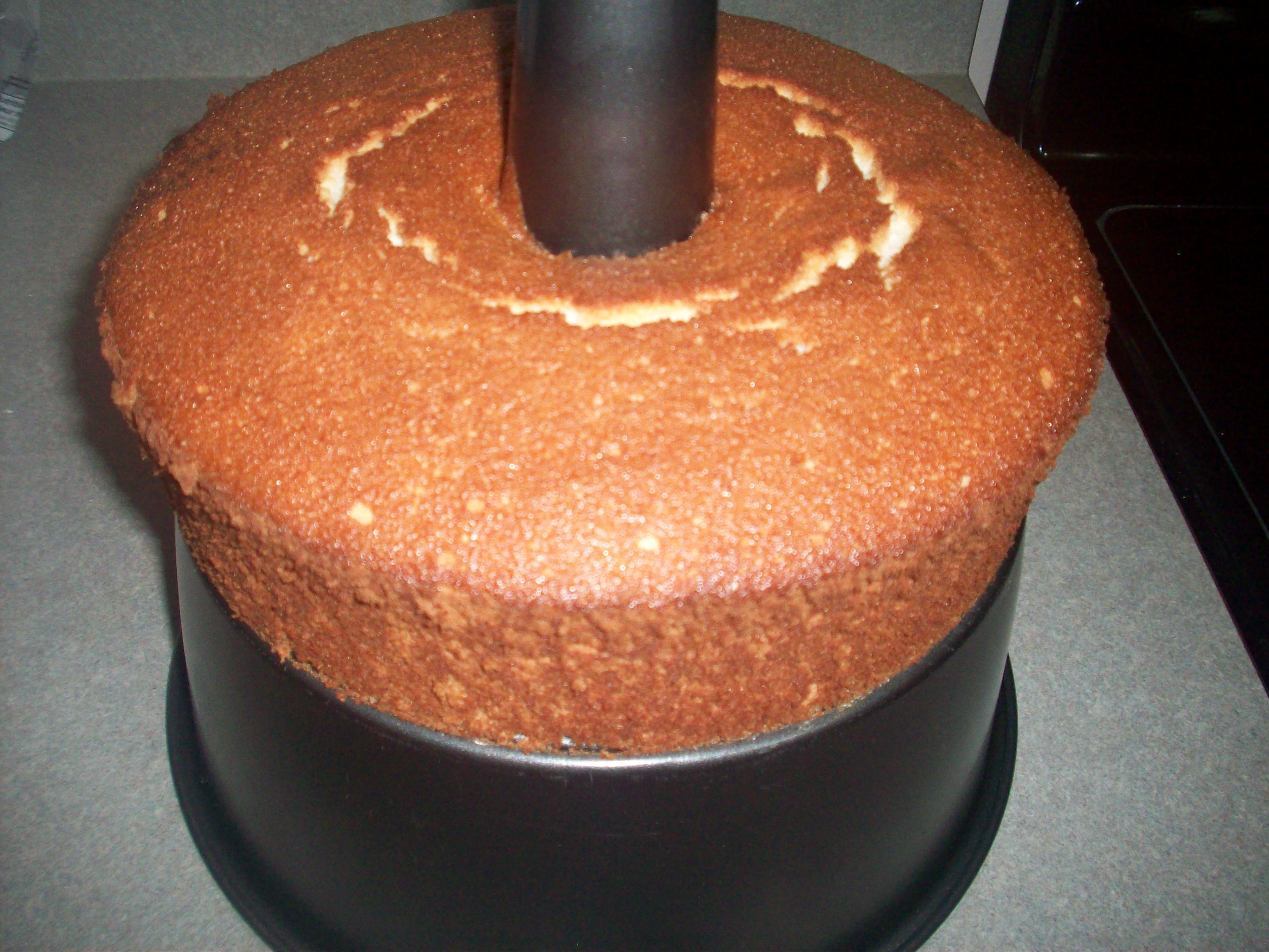 http://foodloader.net/cutie_2010-05-01_Angel_Food_Cake.jpg