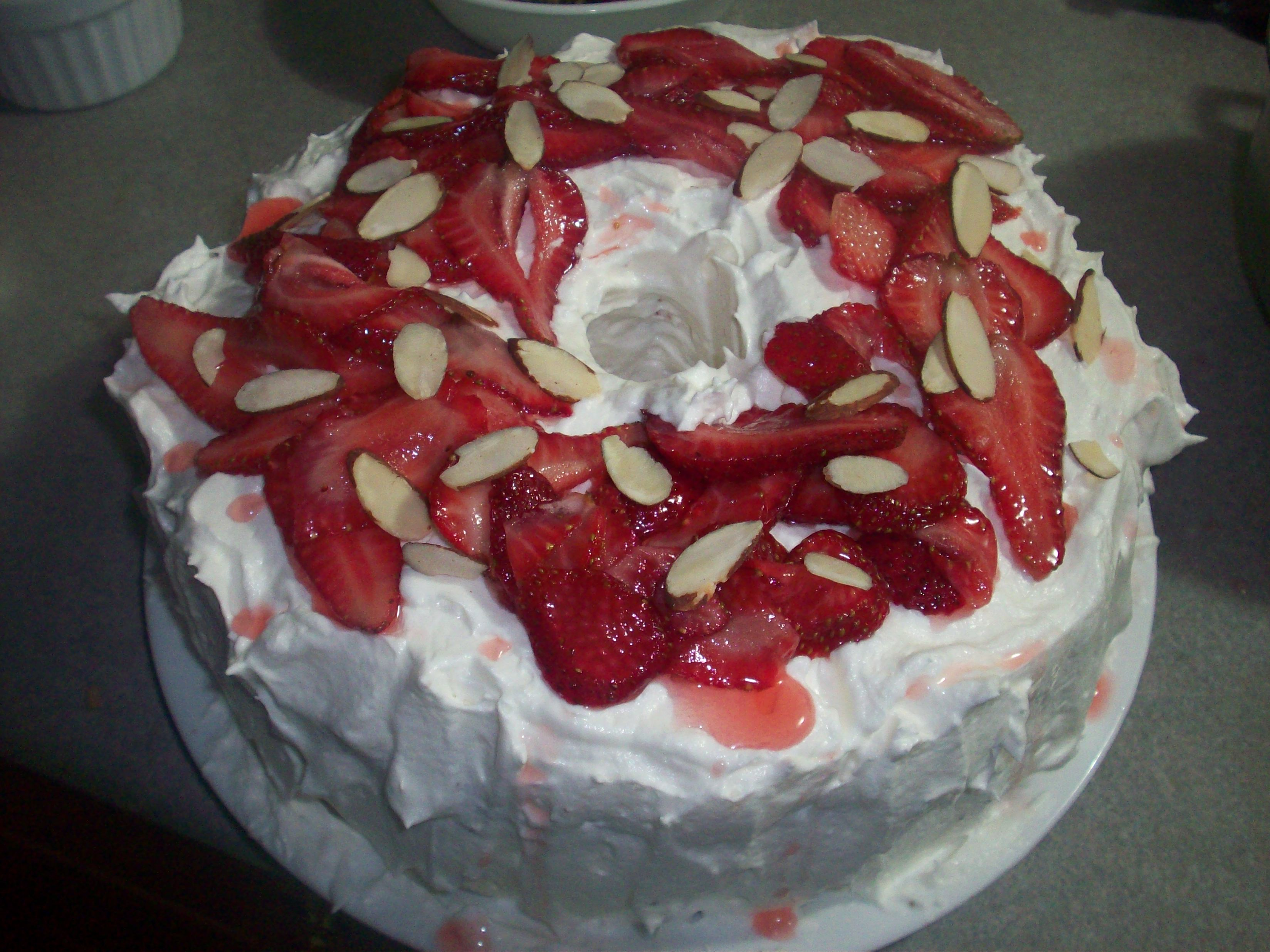http://foodloader.net/cutie_2010-05-02_Strawberry_Angel_Cake.jpg