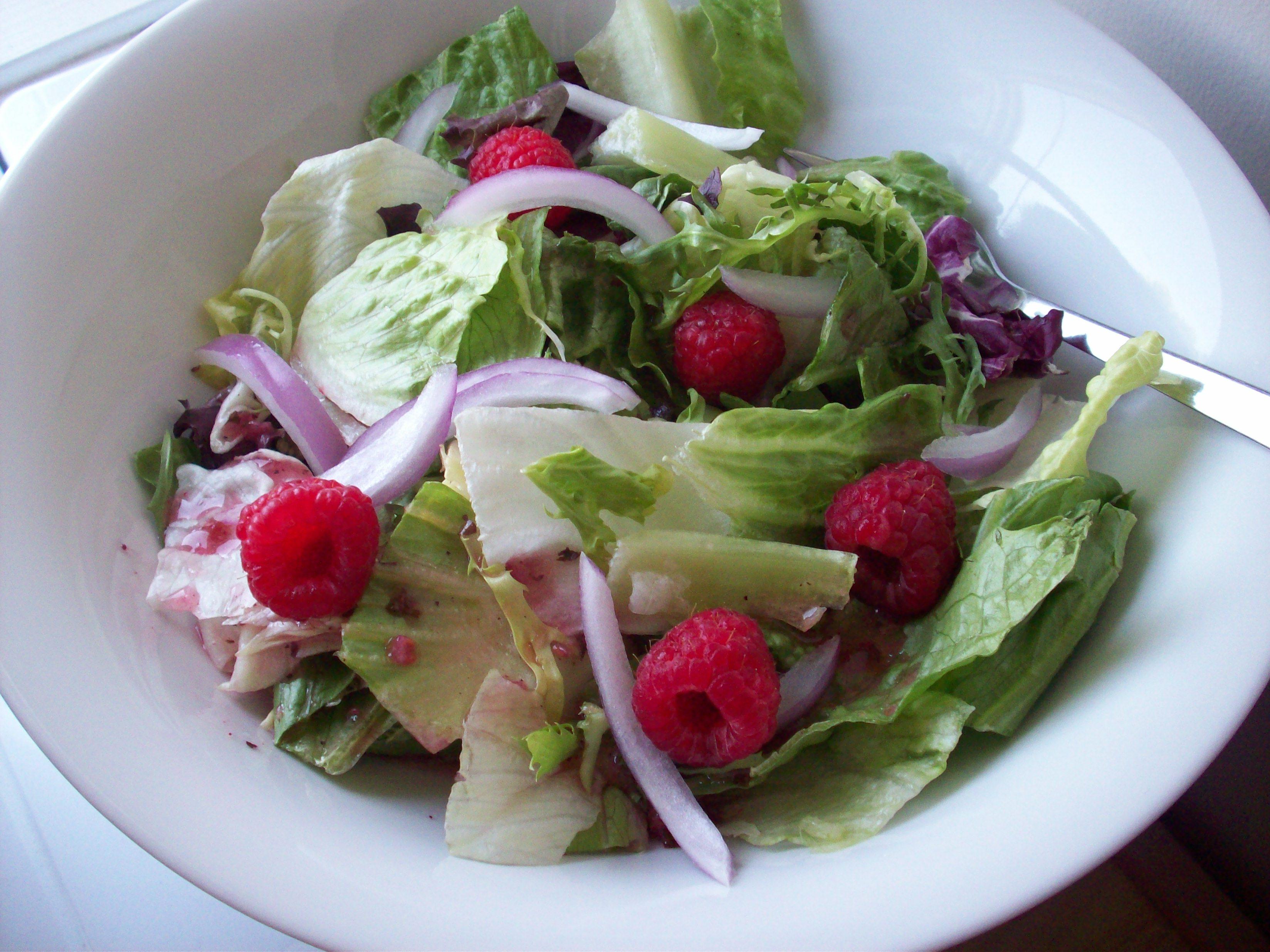 http://foodloader.net/cutie_2010-05-30_Salad.jpg