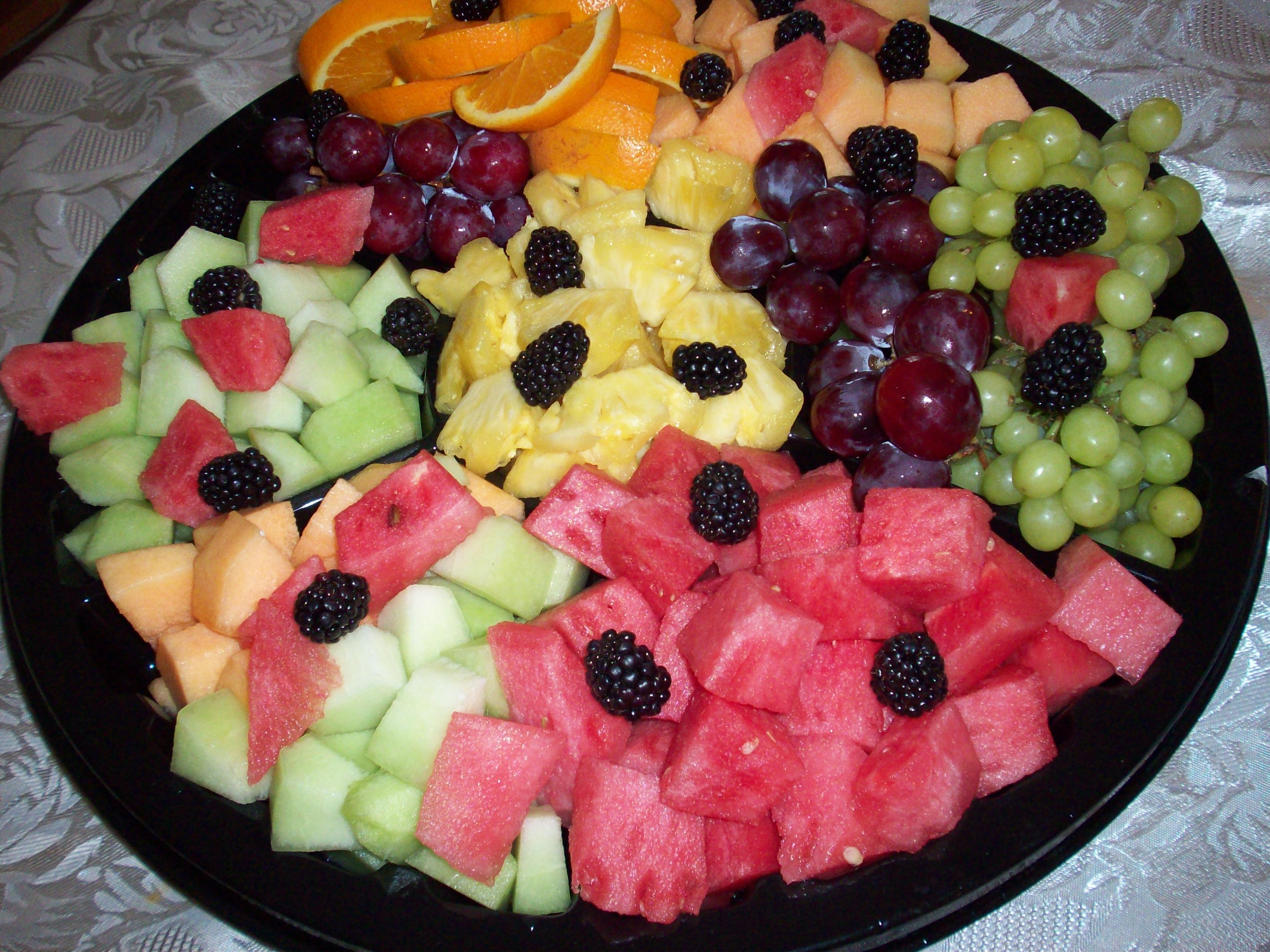 http://foodloader.net/cutie_2010-06-12_Assorted_Fruits.jpg