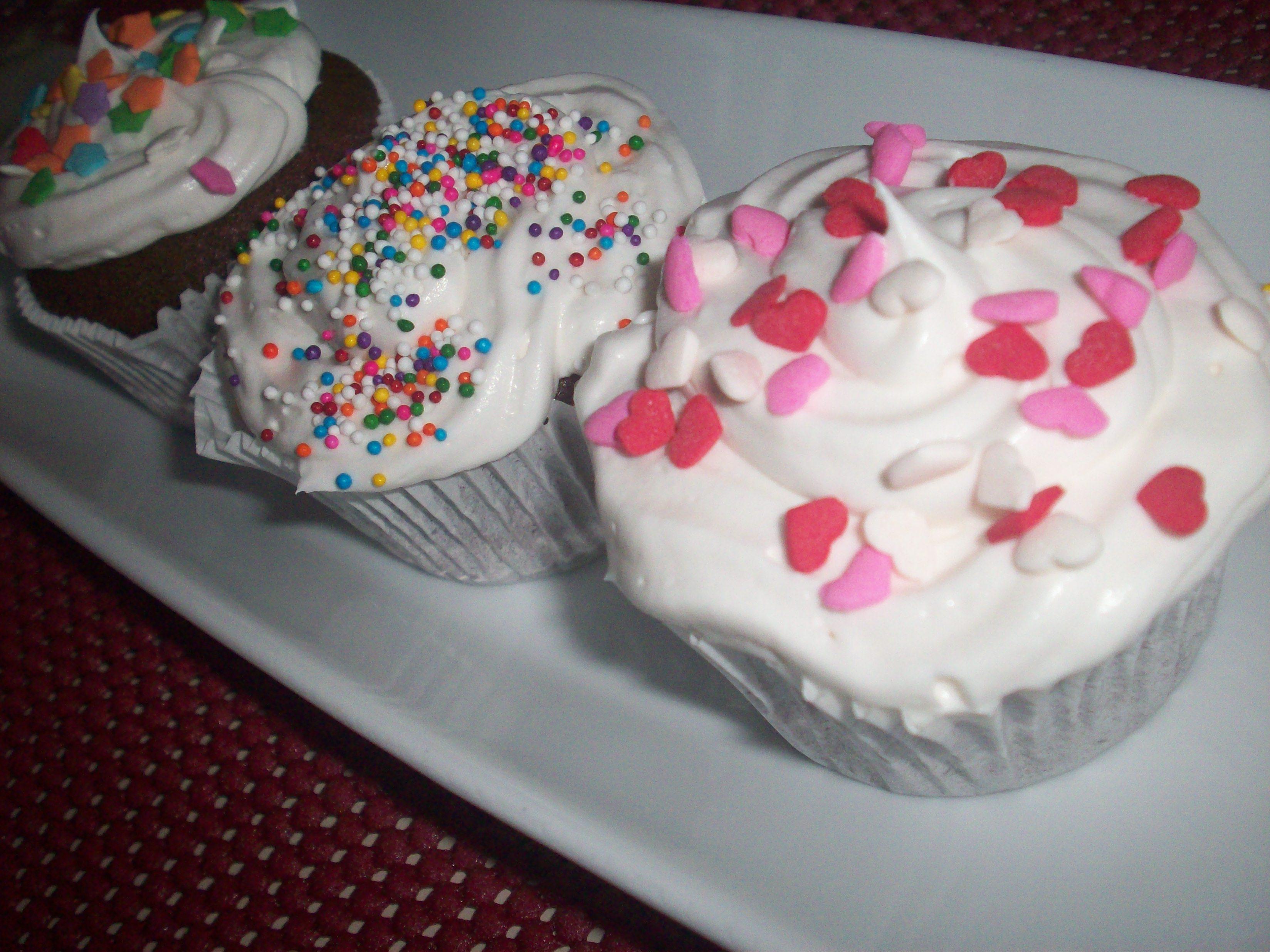http://foodloader.net/cutie_2010-07-15_Cupcakes1.jpg