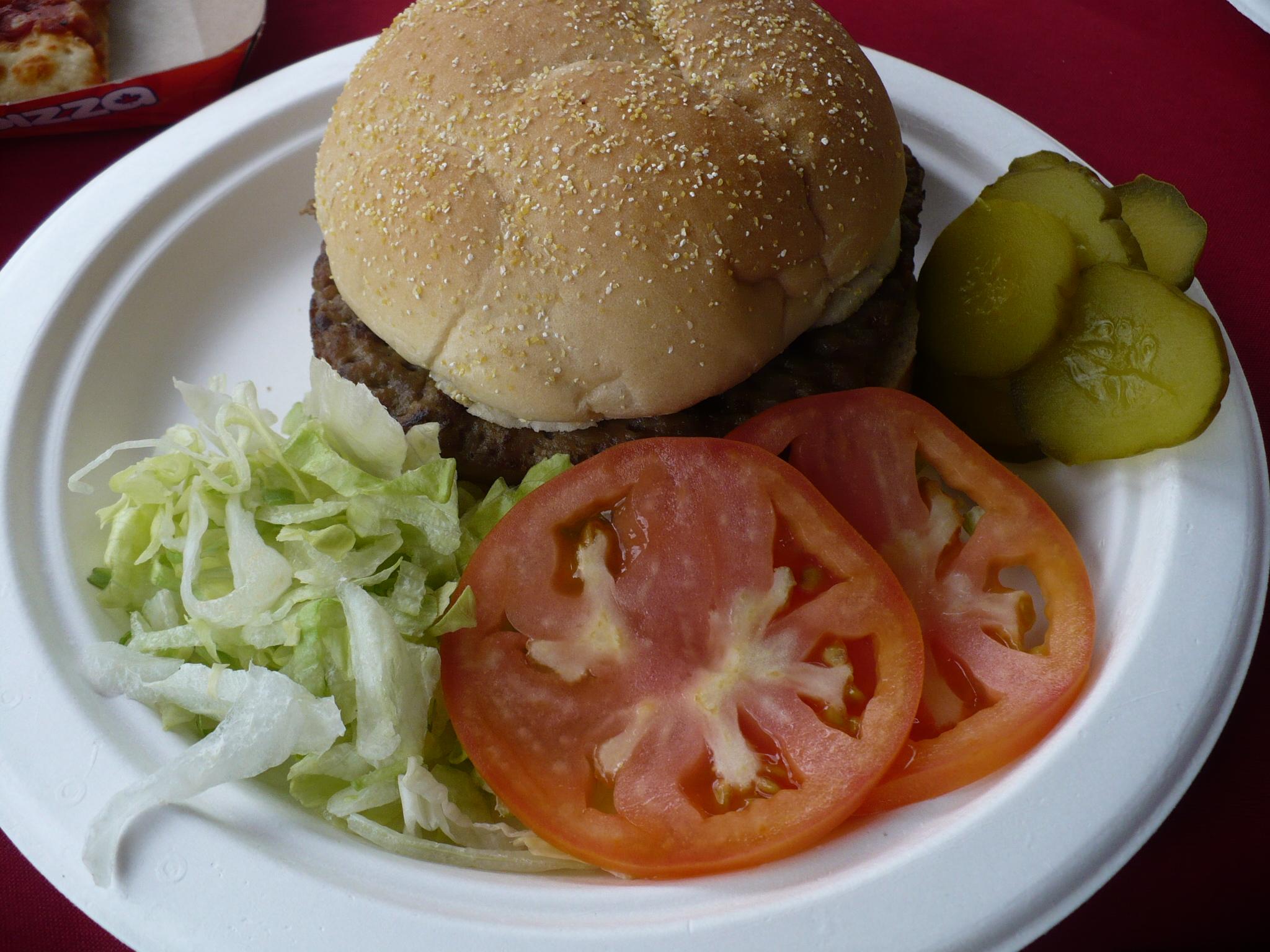 http://foodloader.net/cutie_2010-07-24_burger.jpg