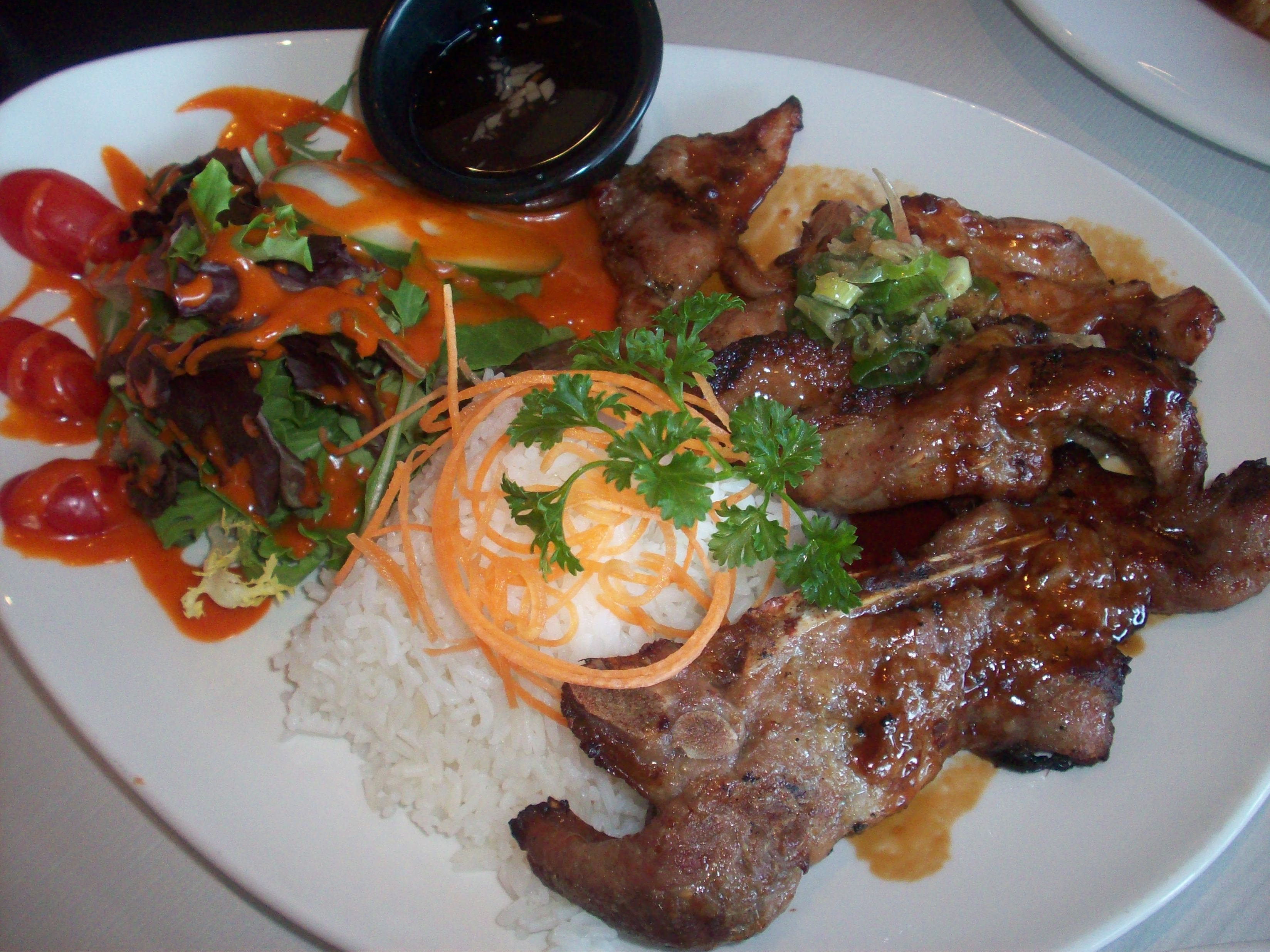 http://foodloader.net/cutie_2010-08-13_BBQ_Pork_and_Chicken.jpg