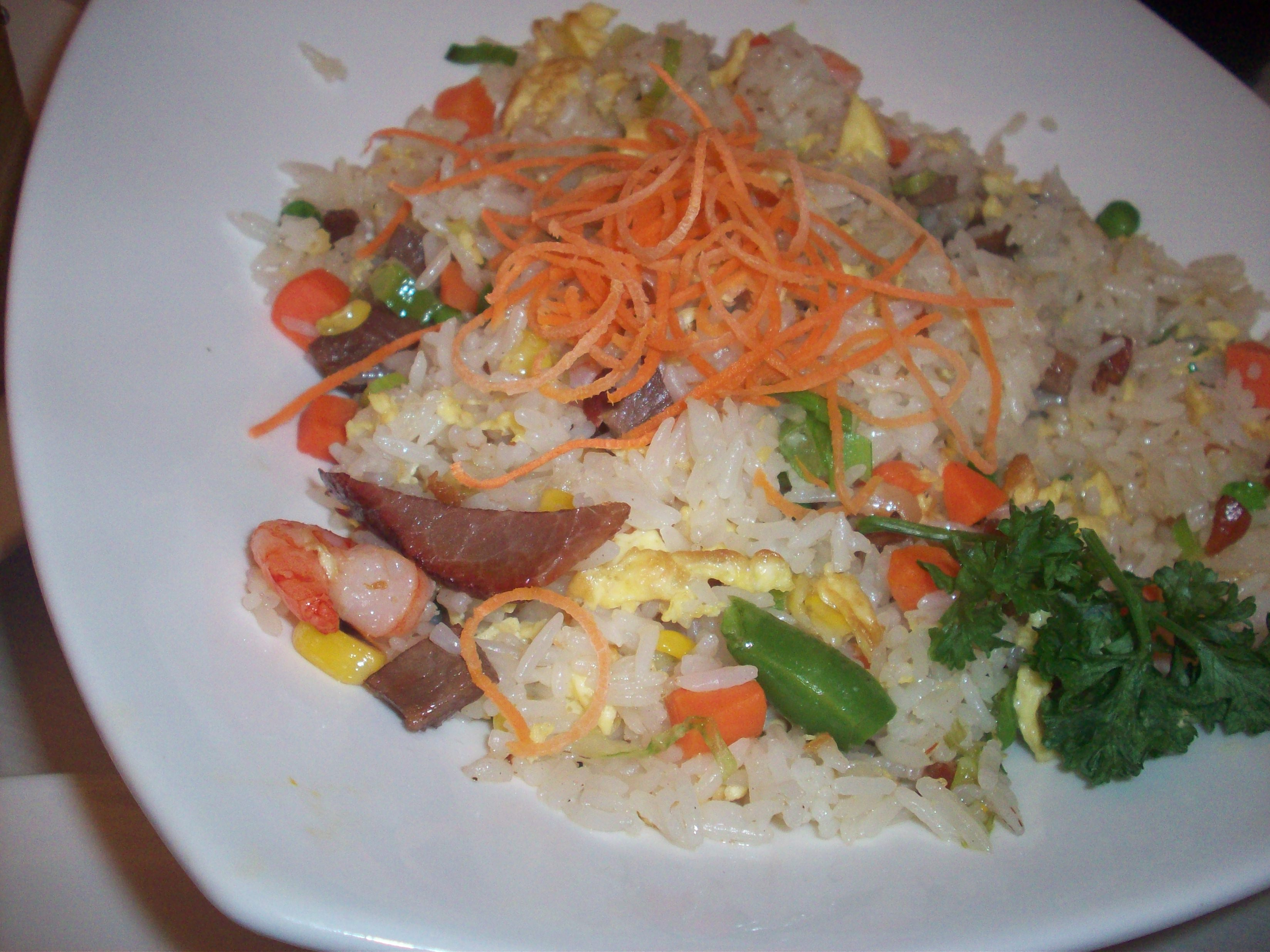 http://foodloader.net/cutie_2010-09-19_Yang_Chow_Rice.jpg