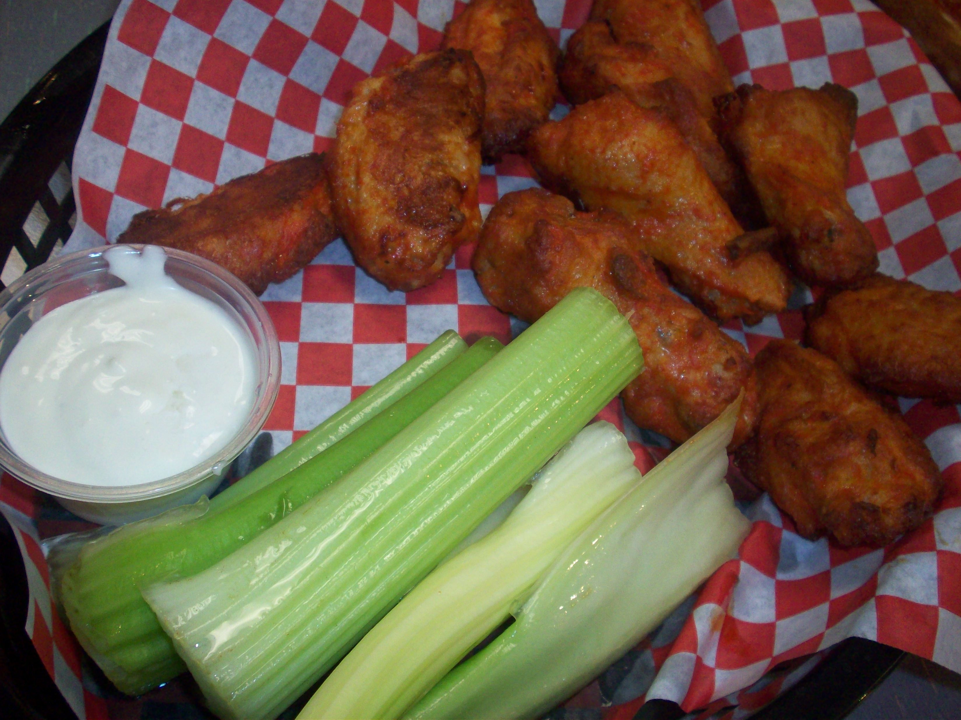 http://foodloader.net/cutie_2010-10-22_Buffalo_Wings.jpg