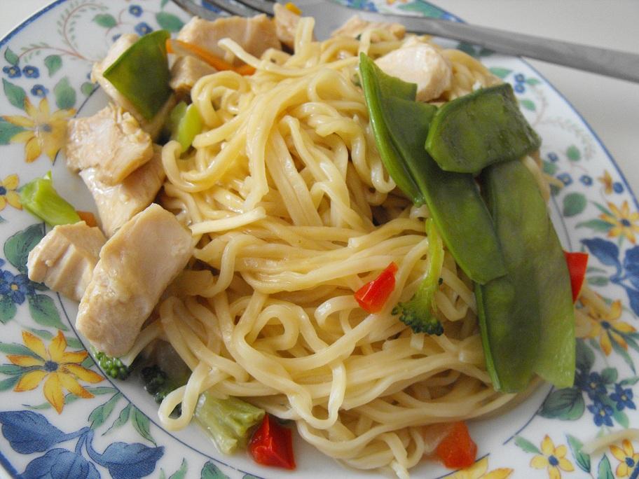 http://foodloader.net/cutie_2011-02-12_Chow_Mein.jpg