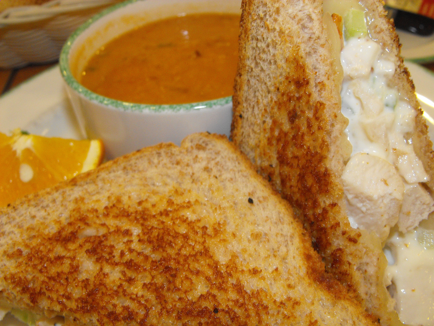 http://foodloader.net/cutie_2011-03-17_Chicken_Sandwich_with_Soup.jpg