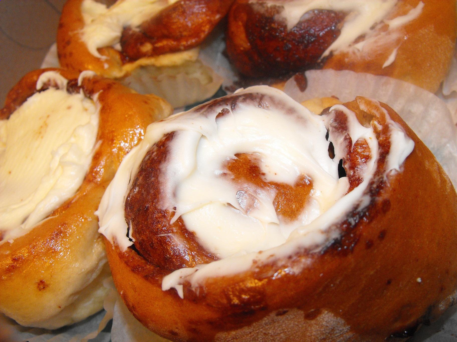http://foodloader.net/cutie_2011-06-28_Cobbs_Bread_Cinnamon.jpg