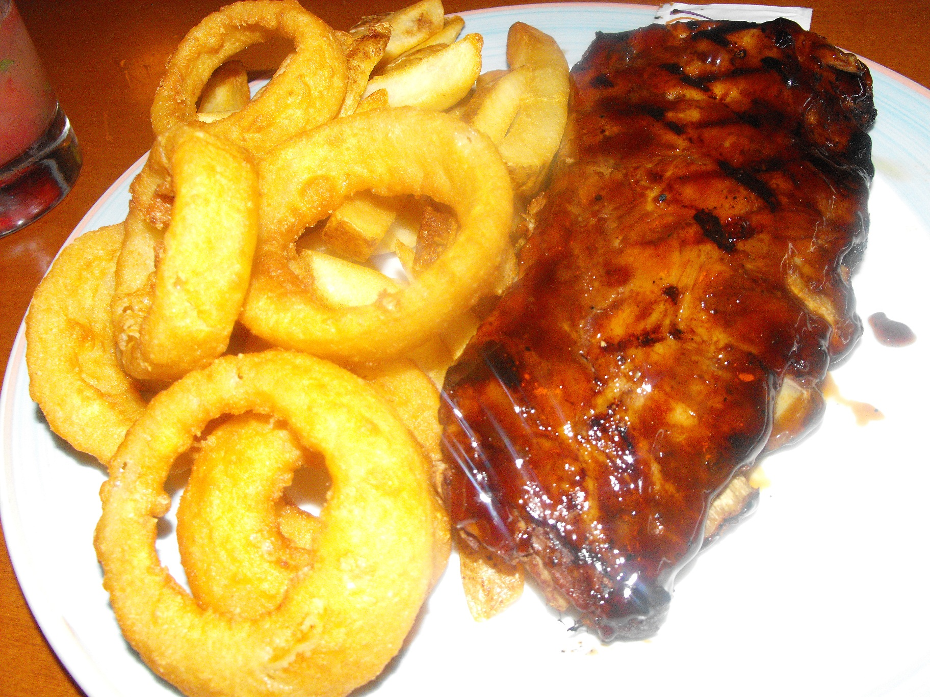 http://foodloader.net/cutie_2011-08-18_Baby_Back_Ribs_with_Onion_Rings.jpg