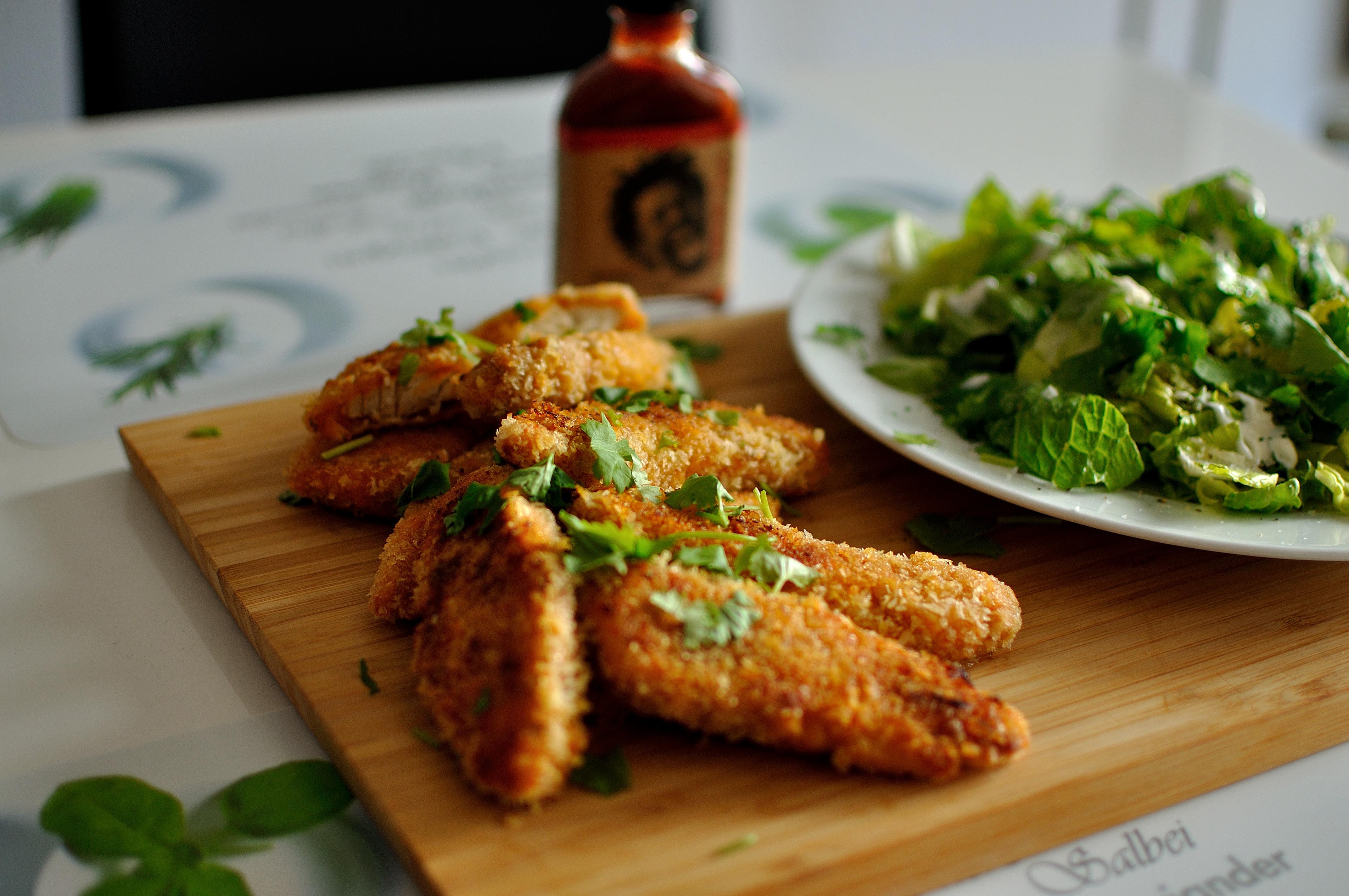 https://foodloader.net/dodo_2015-01-07_panko_breadcrump_thai_chicken_with_chili__fresh_coriander_and_salad.jpg