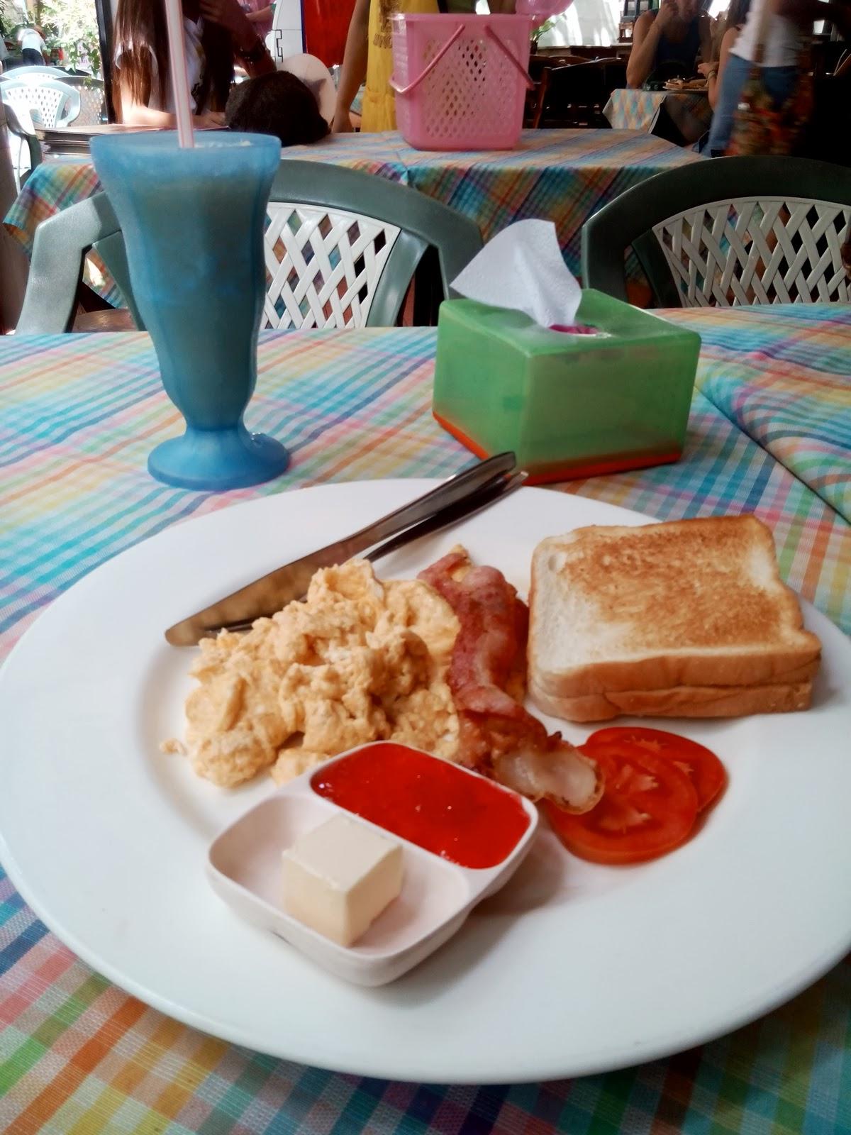 https://foodloader.net/finate_2013-12-22_American_Breakfast.jpg