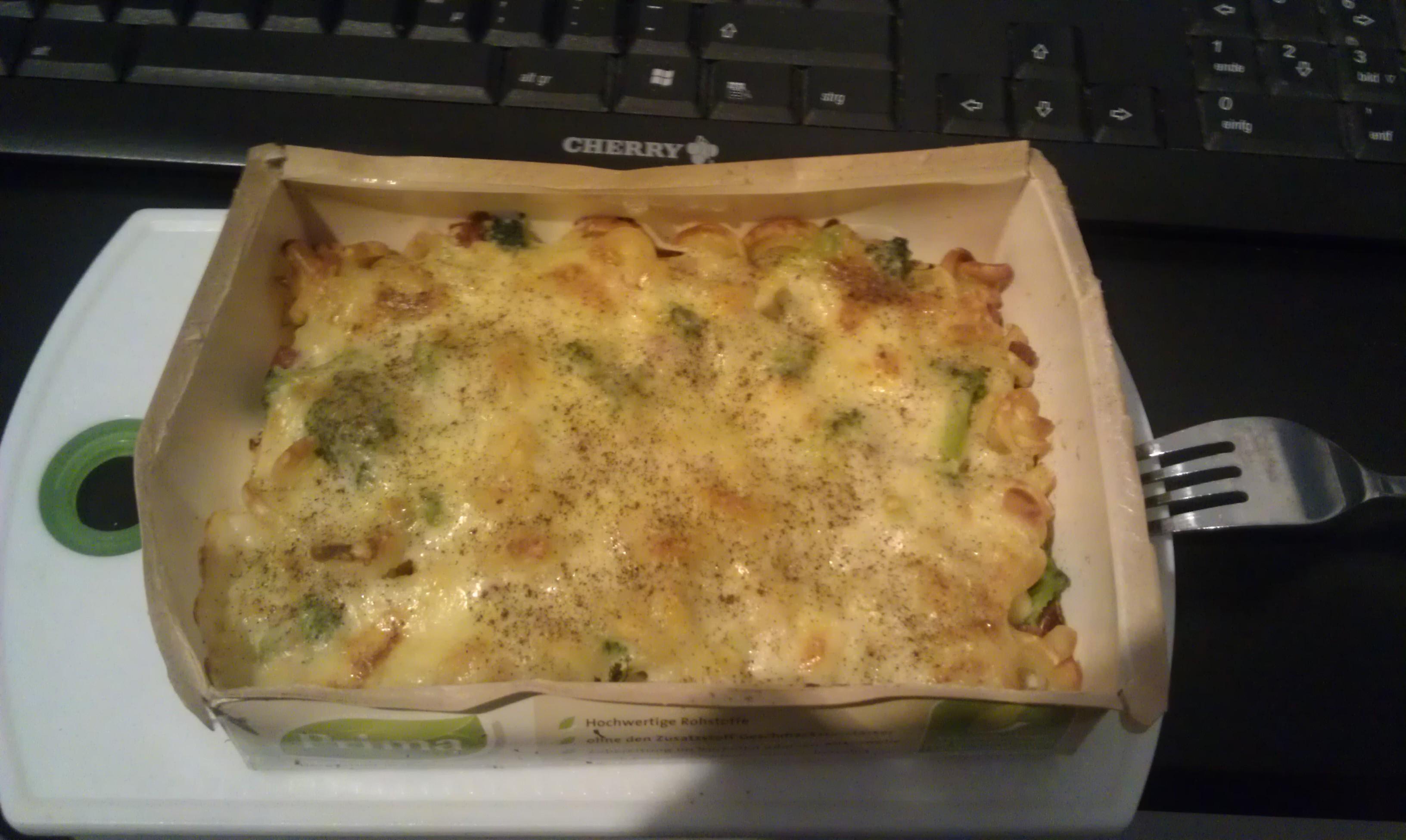 https://foodloader.net/henrik_2011-13-07_Broccoli_Nudelauflauf.jpg