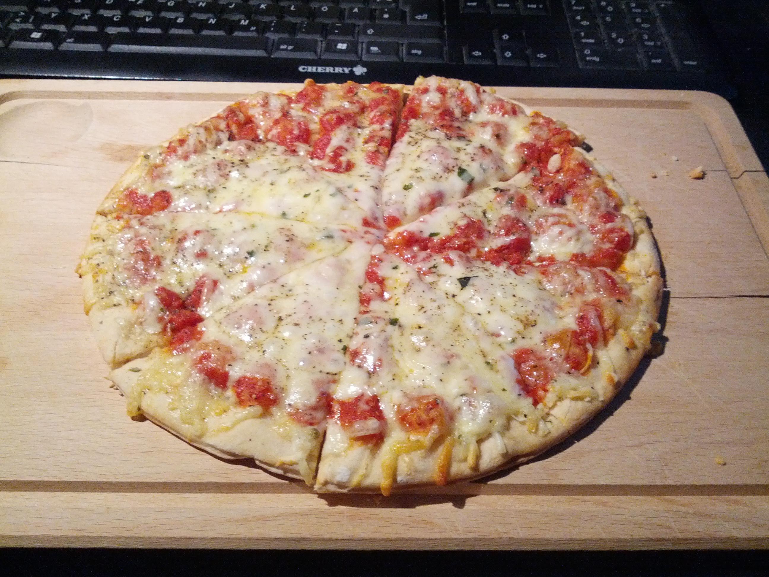 https://foodloader.net/henrik_2013-05-23_Pizza.jpg