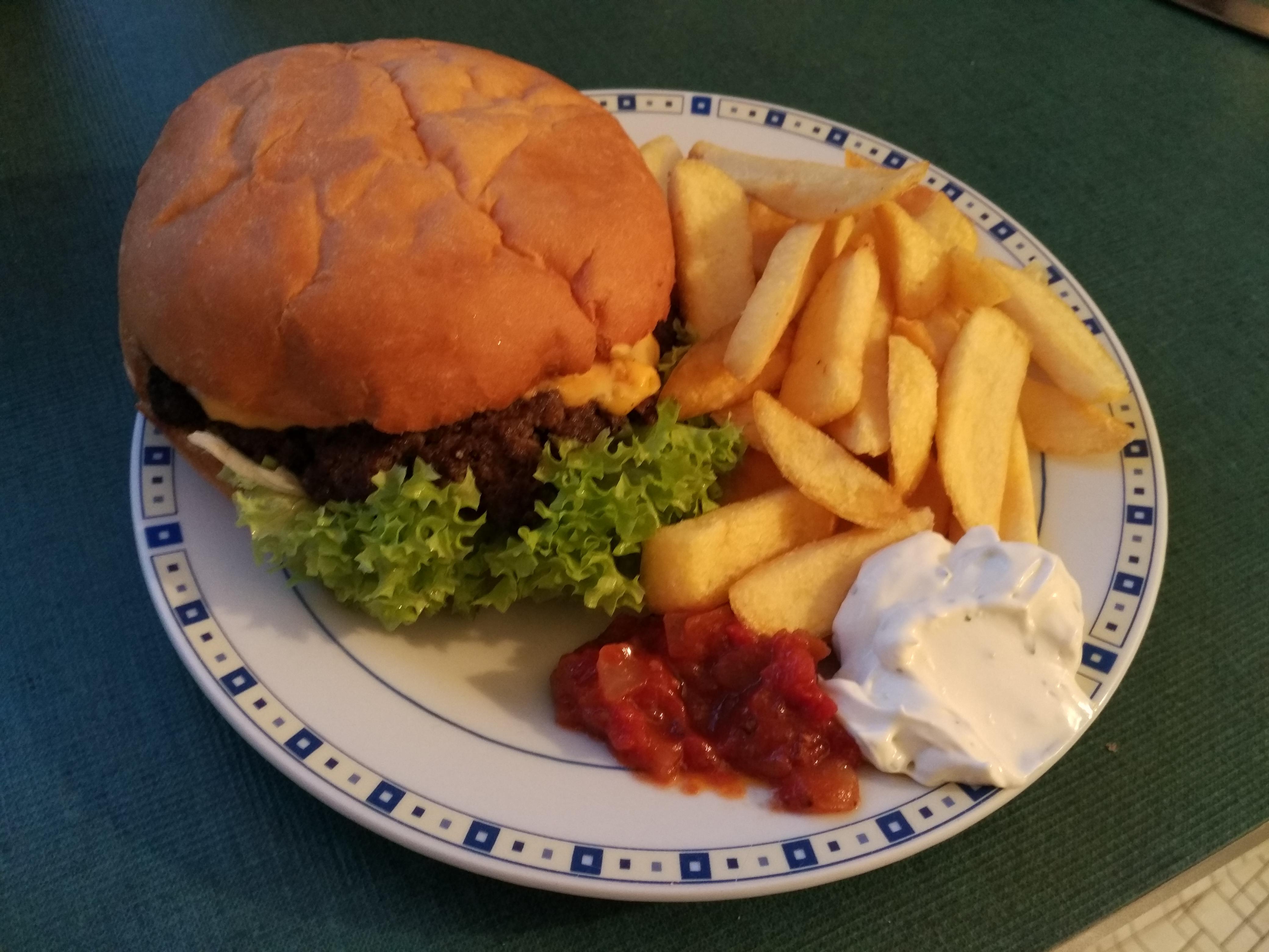 https://foodloader.net/henrik_2015-12-13_Burger.jpg