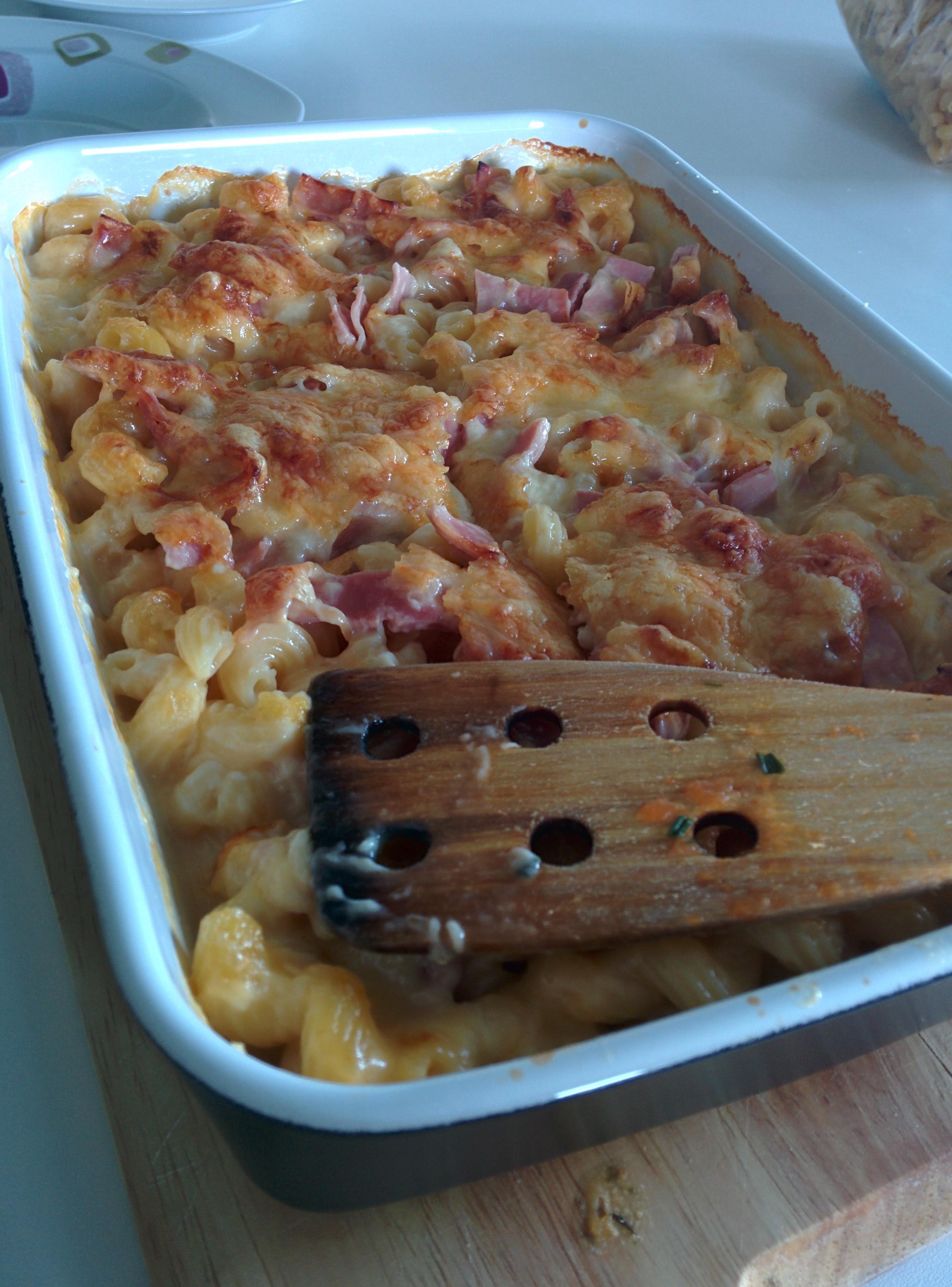 https://foodloader.net/killerra_2014-08-22_Kaese-Schinken_Nudelauflauf.jpg
