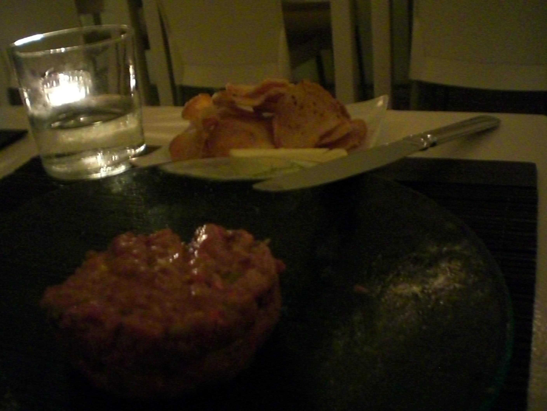 https://foodloader.net/kug_2011-05-04_Hauptspeise_Steak_Tartar.jpg