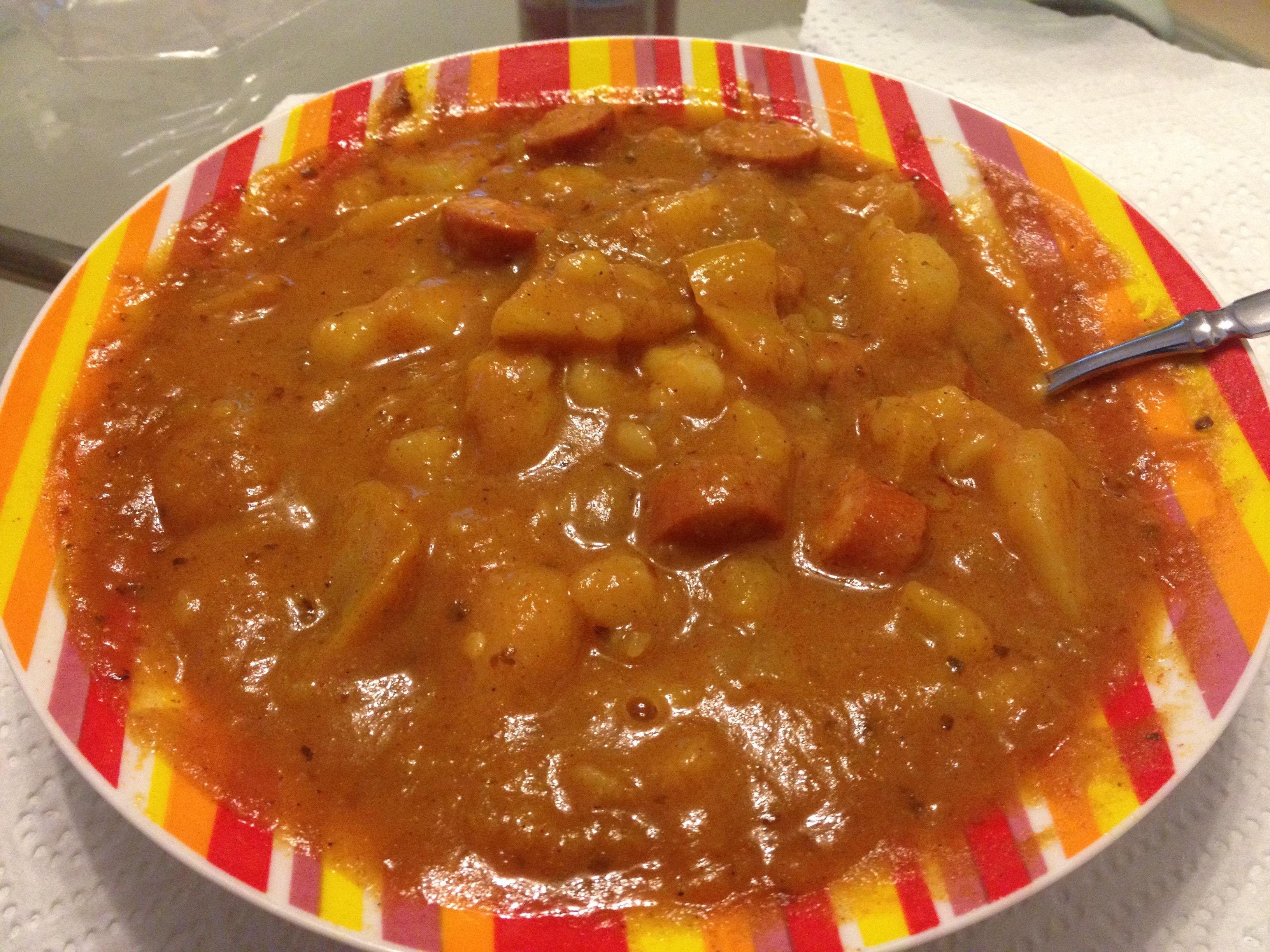 https://foodloader.net/kug_2012-11-05_Gulasch_Reste.jpg