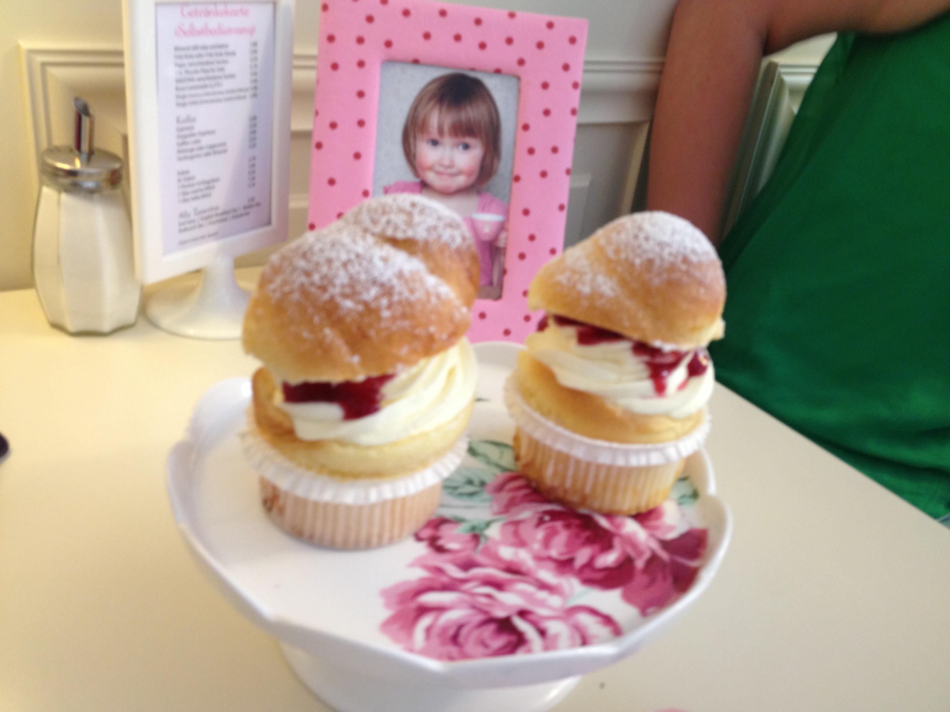 https://foodloader.net/kugs_2013-07-03_brioche_cupcakes_fruehstueck.jpg