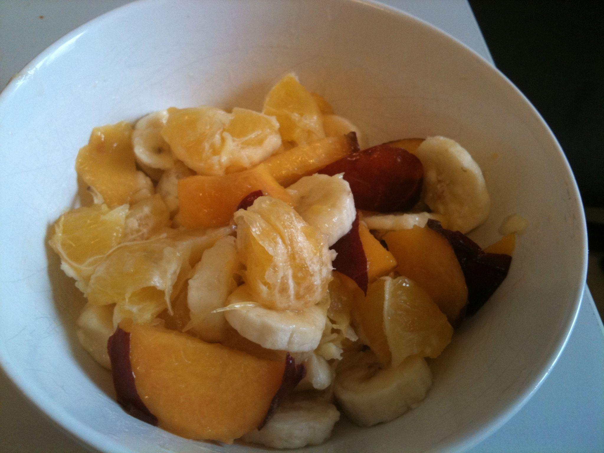 https://foodloader.net/nico_2011-08-05_obstsalat-banane-nektarine-orange.jpg