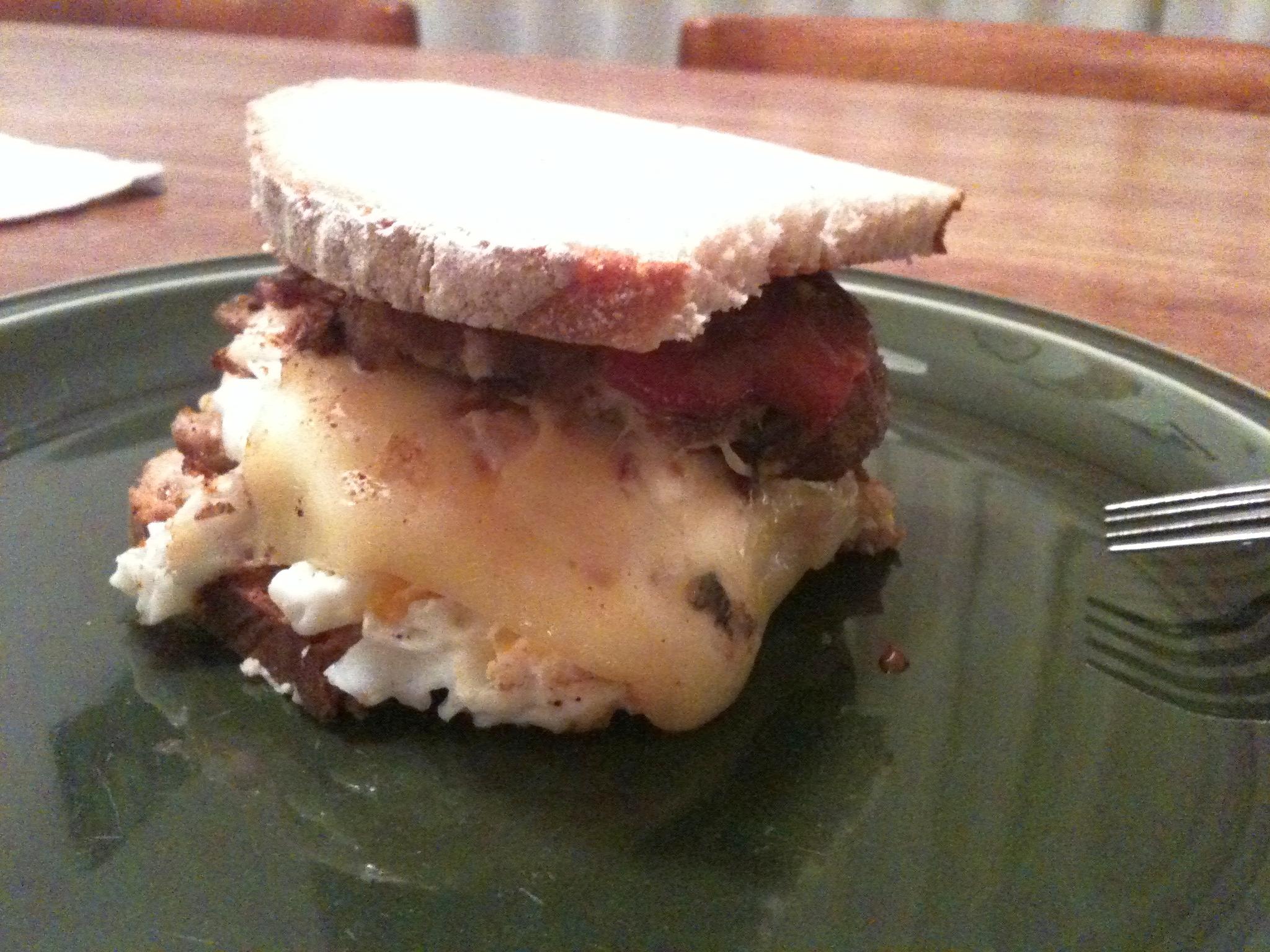 https://foodloader.net/nico_2012-02-03_selfmade-frikadellenburger.jpg