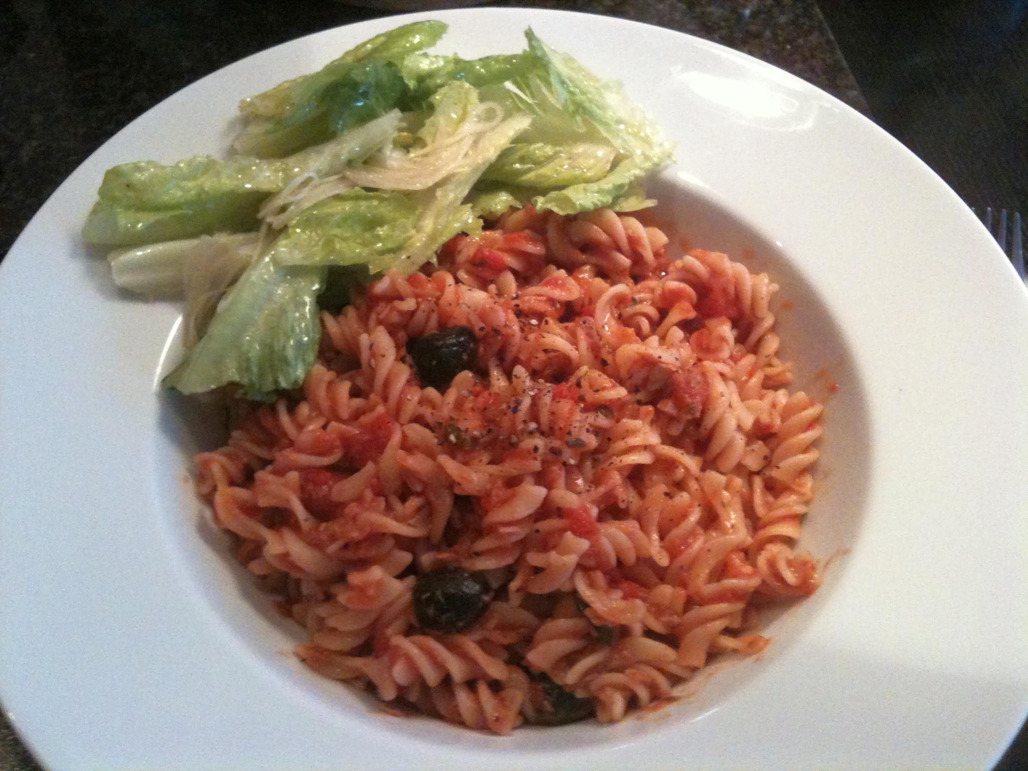 https://foodloader.net/nico_2012-04-01_fusilli-mit-tomatensauce.jpg