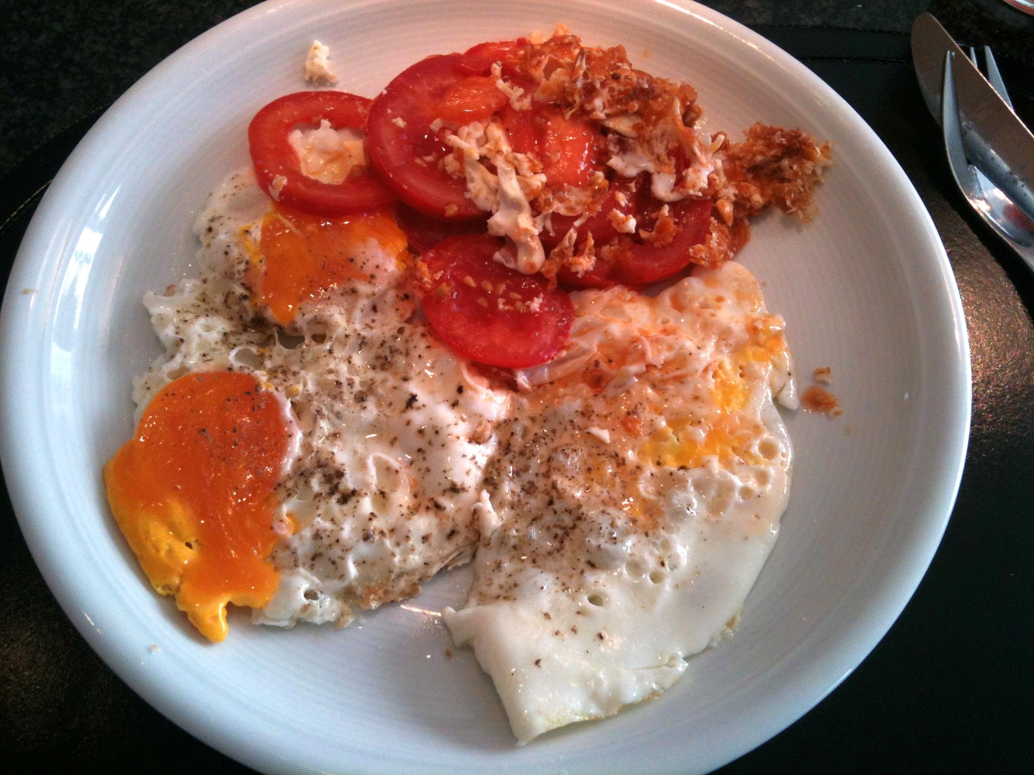 https://foodloader.net/nico_2012-09-30_spiegeleier-mit-tomate.jpg
