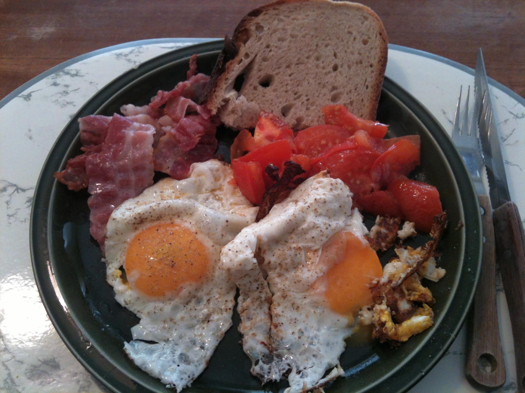 https://foodloader.net/nico_2012-12-17_spiegeleier-mit-speck.jpg