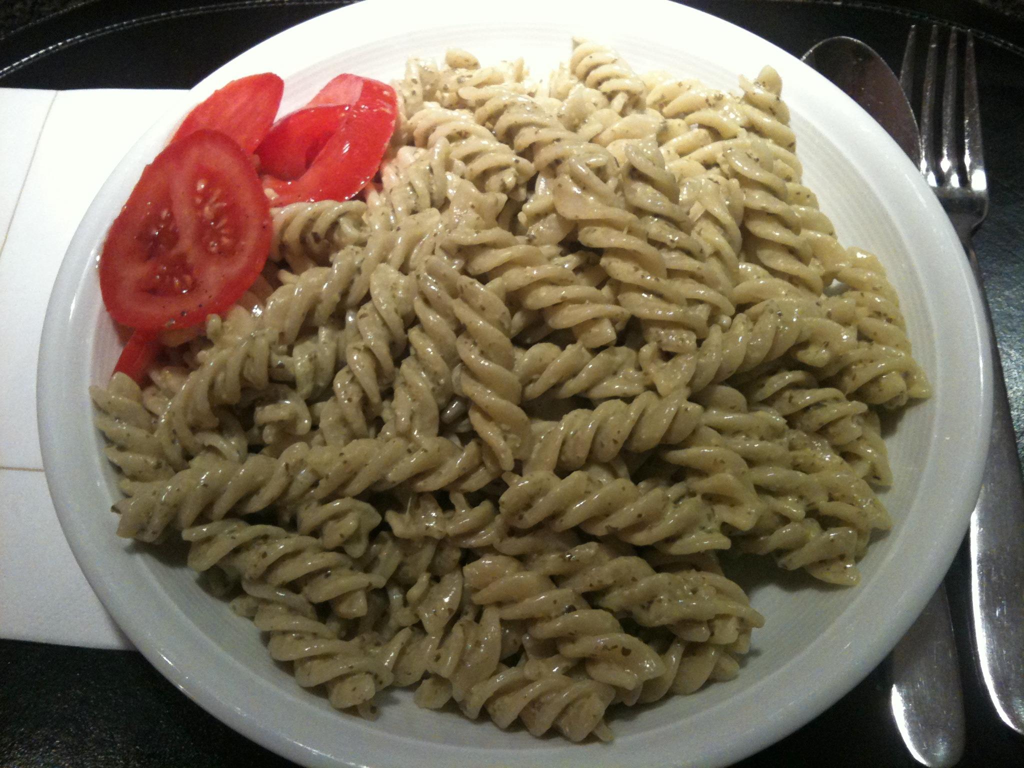 https://foodloader.net/nico_2012-12-21_fusilli-mit-gruenem-pesto.jpg