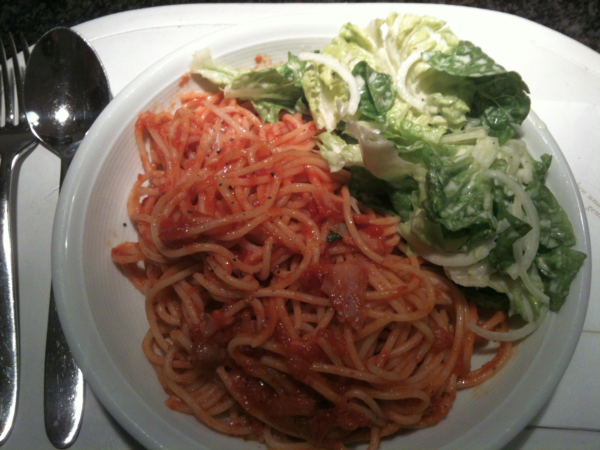 https://foodloader.net/nico_2013-01-03_spaghetti-mit-rotwein-tomaten-sauce.jpg