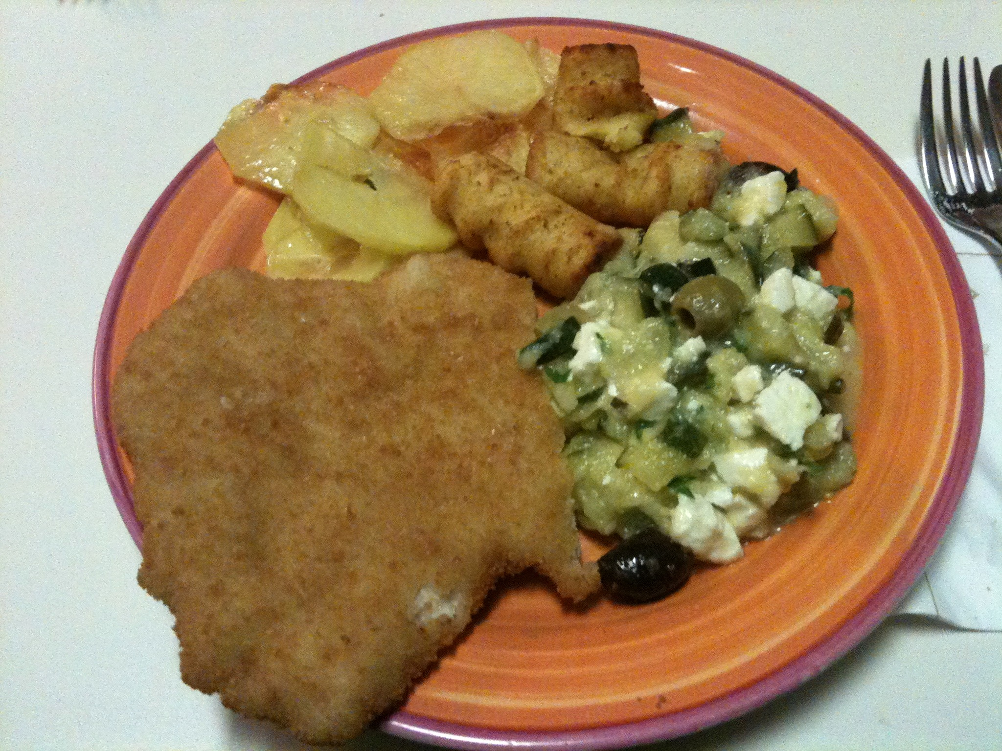 http://foodloader.net/nico_2013-01-08_haehnchenschnitzel-mit-kartoffelzeugs-und-salat.jpg
