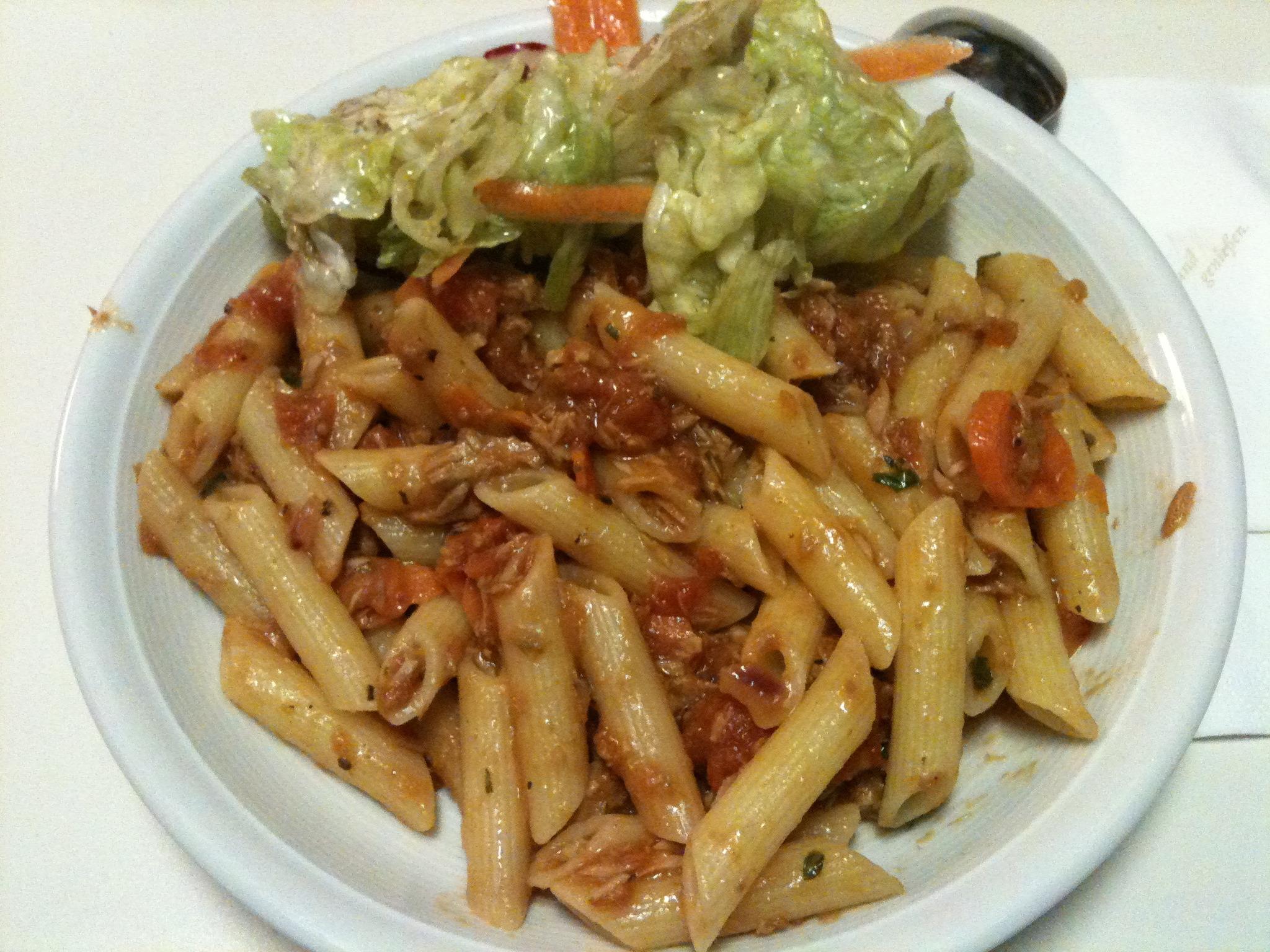 https://foodloader.net/nico_2013-01-26_penne-mit-thunfisch-tomaten-sauce.jpg