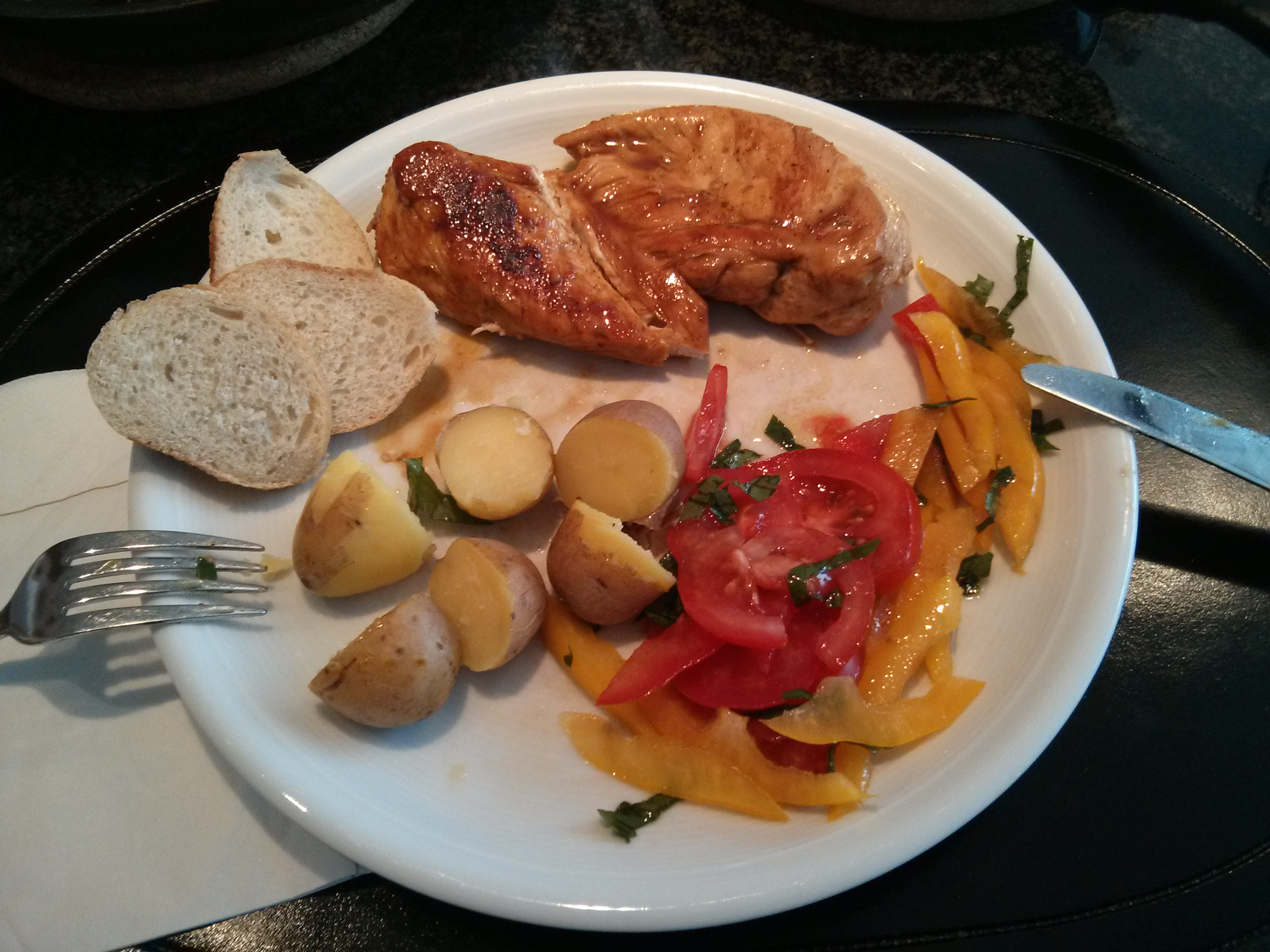 https://foodloader.net/nico_2013-05-09_haehnchenfilet-mit-kartoffeln.jpg