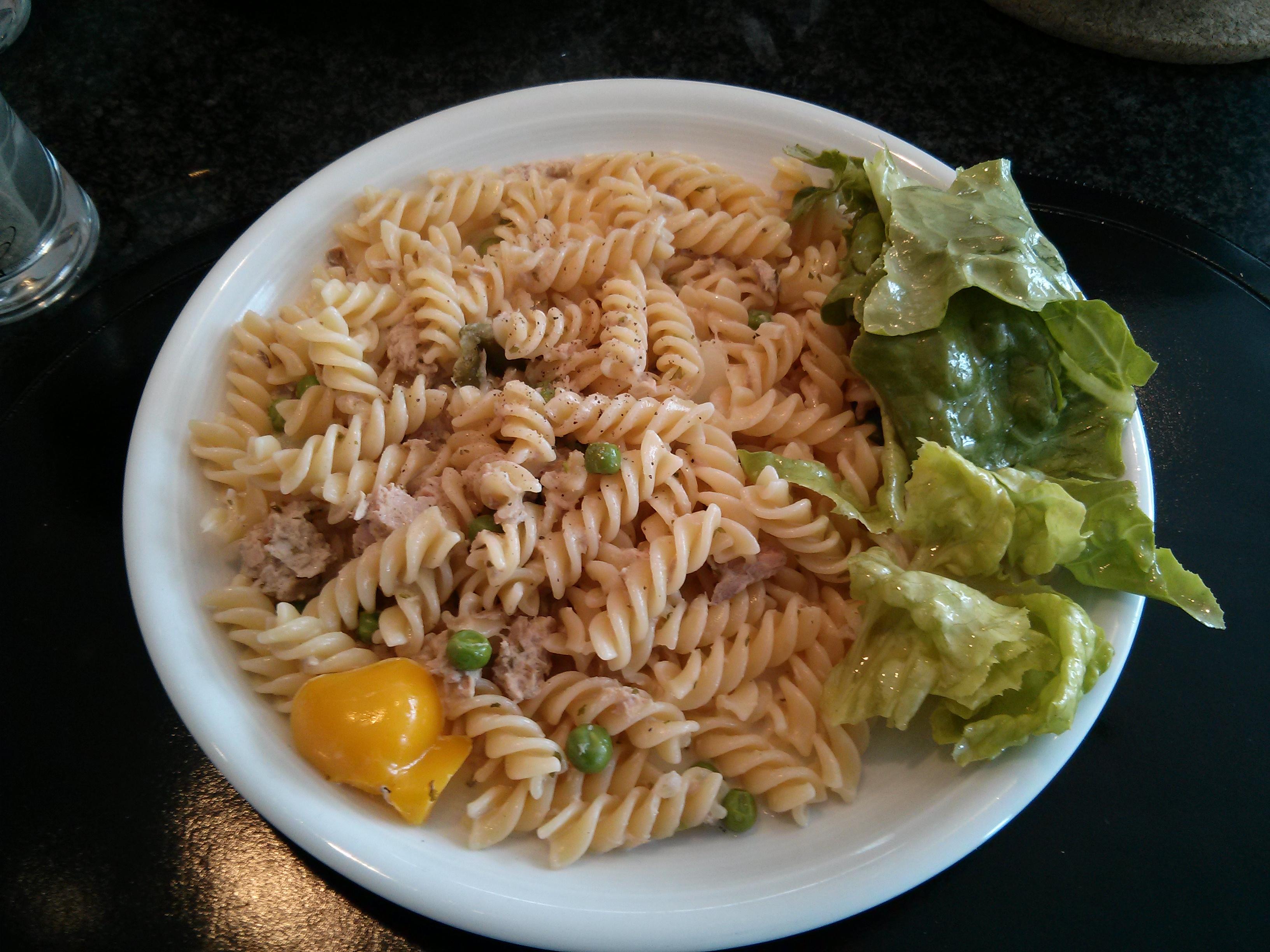 https://foodloader.net/nico_2013-06-30_fusilli-mit-thunfisch-sahne-sauce.jpg