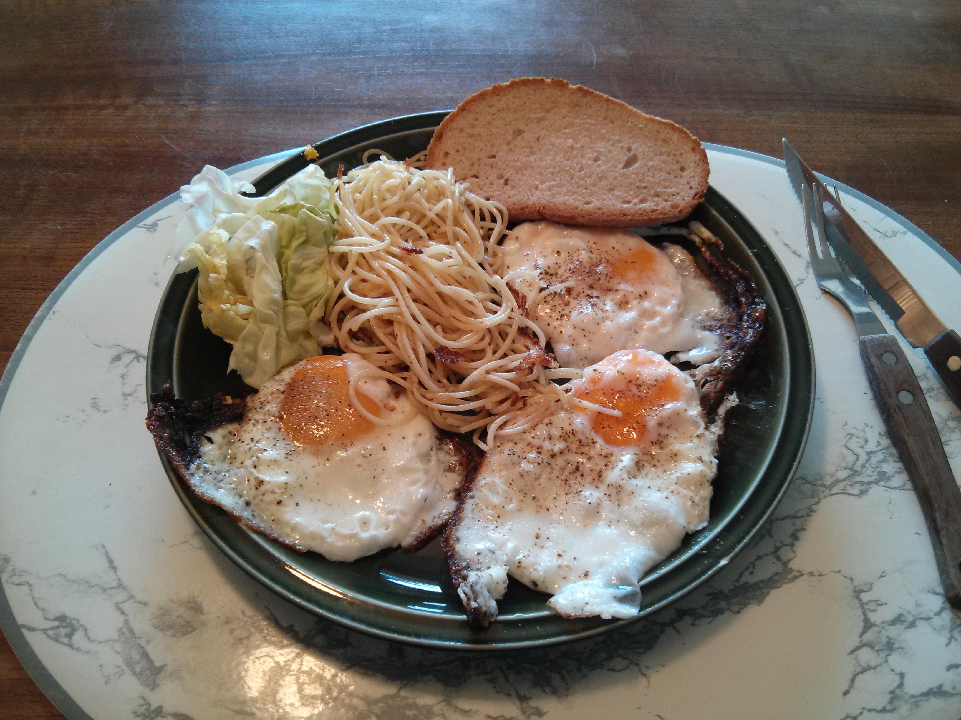 https://foodloader.net/nico_2013-07-12_spiegeleier.jpg