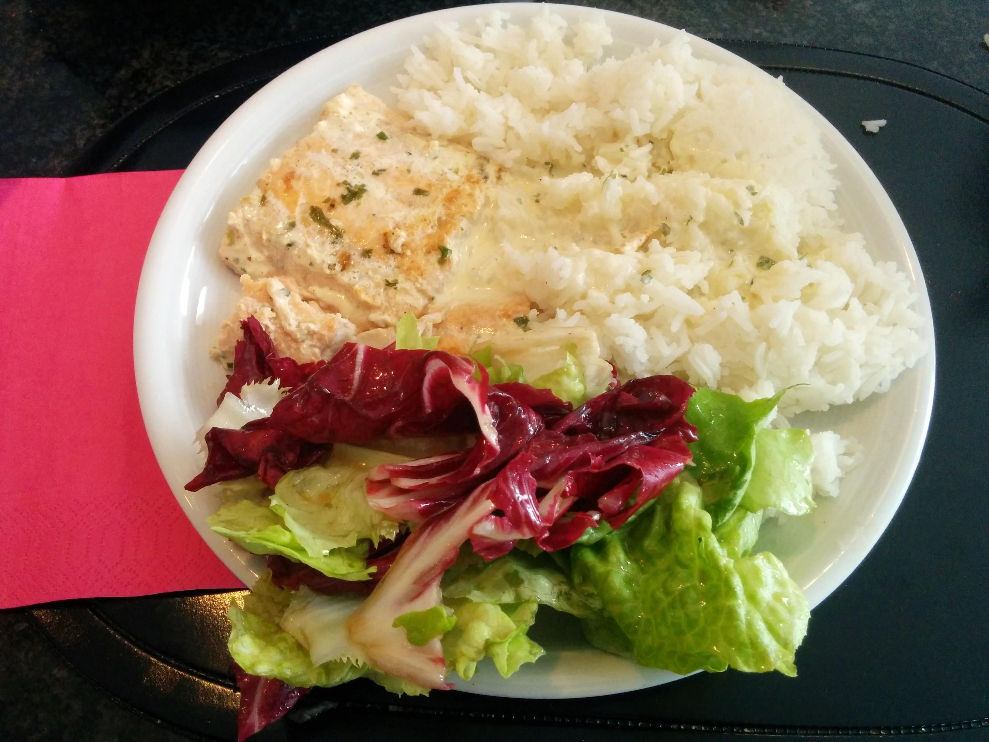 https://foodloader.net/nico_2014-05-25_wildlachs-mit-reis-und-salat.jpg