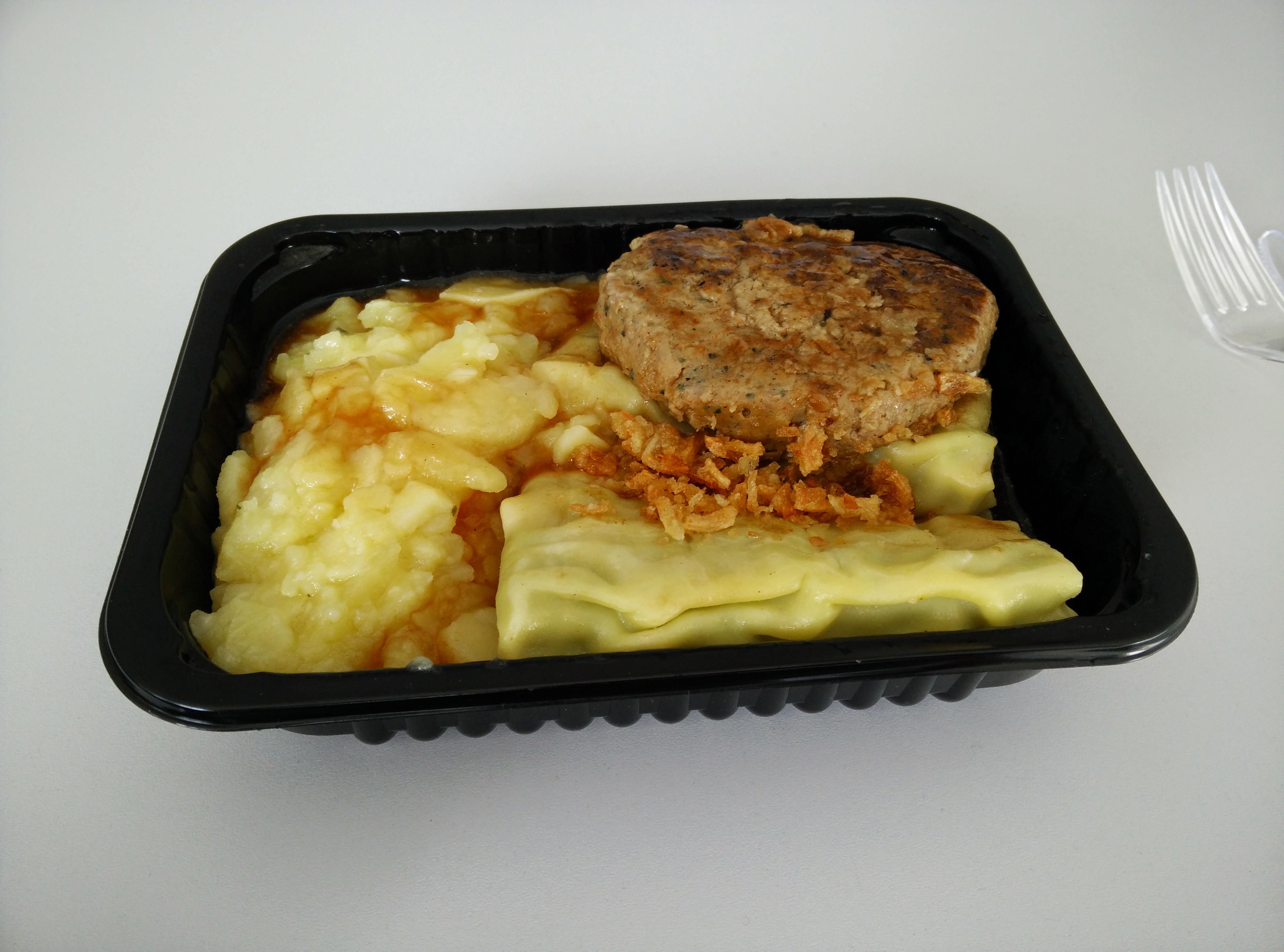 https://foodloader.net/nico_2015-03-11_maultaschen-und-fleischkuechle-mit-kartoffelsalat-und-bratensauce.jpg