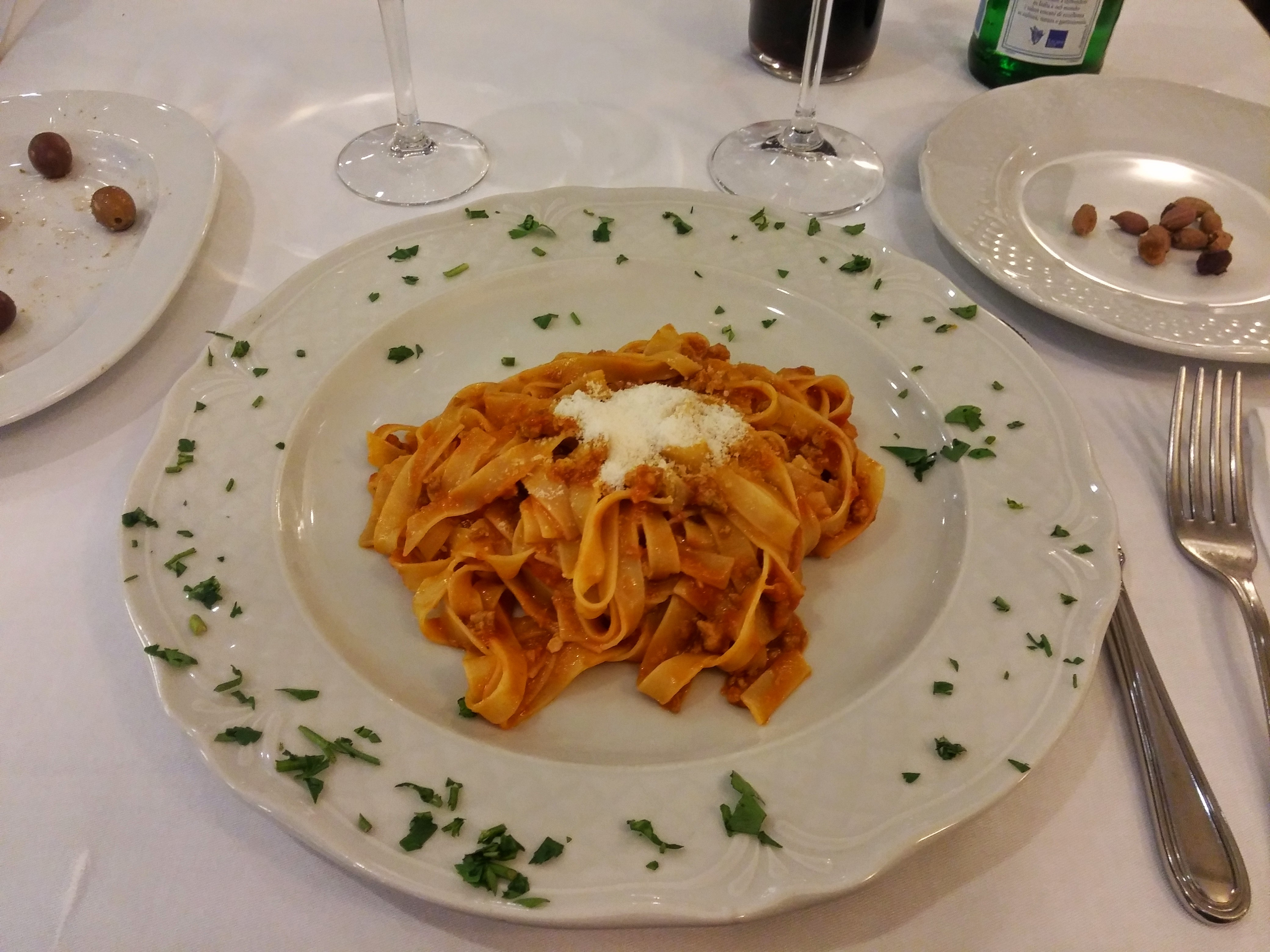 https://foodloader.net/nico_2015-06-18_tagliatelle-bolognese.jpg
