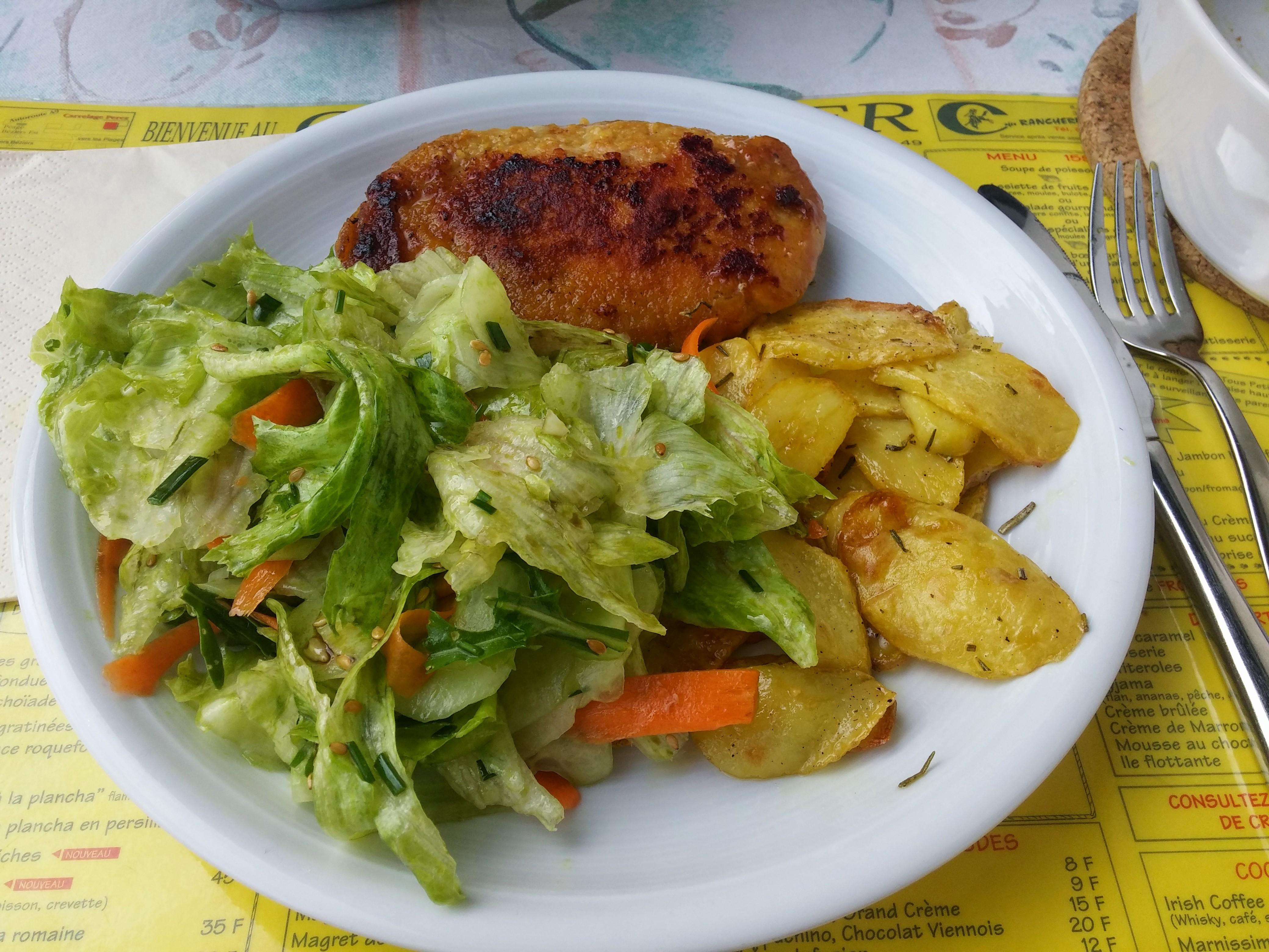 http://foodloader.net/nico_2015-08-09_cordon-bleu-mit-bratkartoffeln-und-salat.jpg