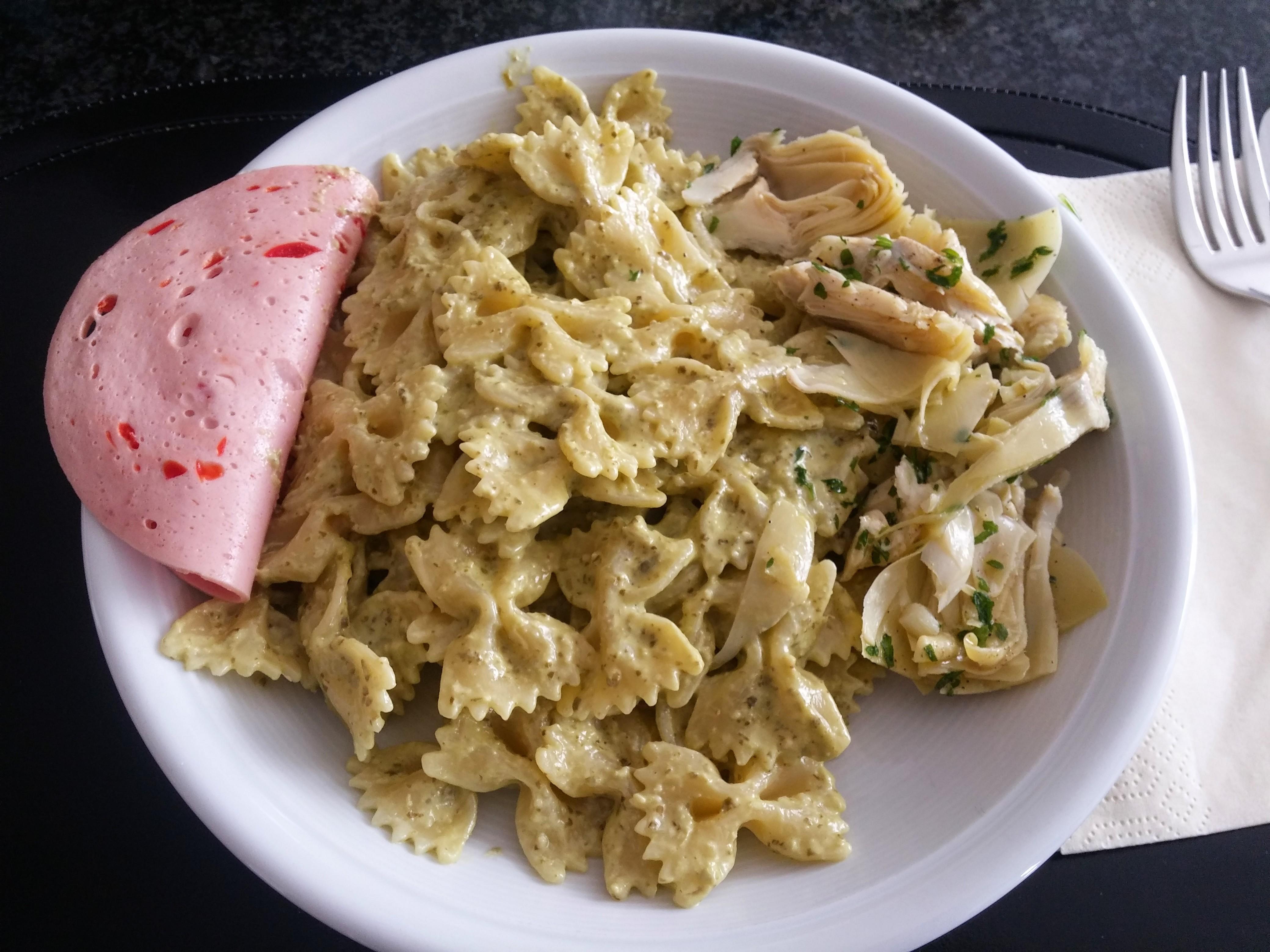 https://foodloader.net/nico_2015-09-18_farfalle-mit-gruenem-pesto.jpg