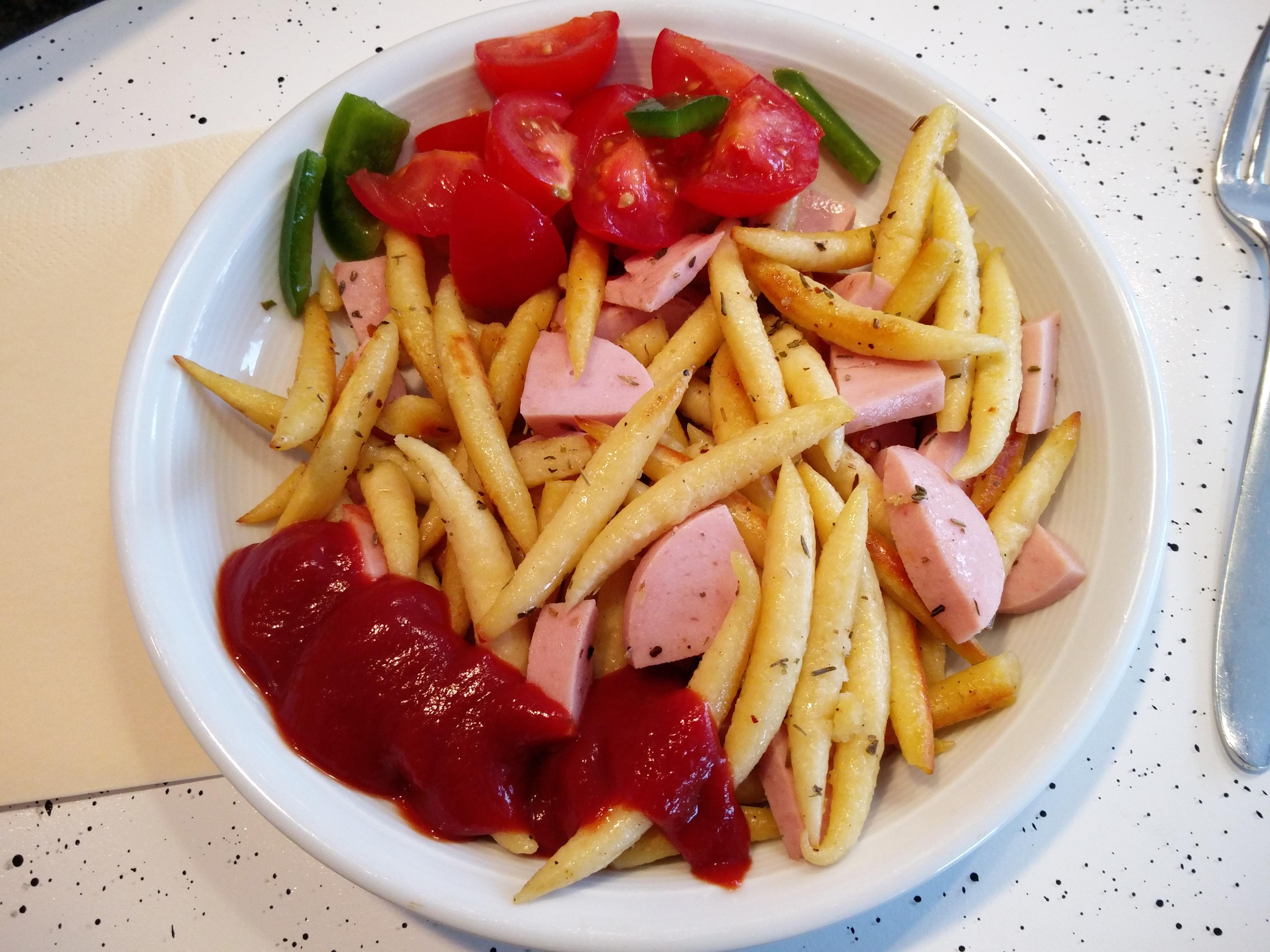 http://foodloader.net/nico_2016-01-09_schupfnudeln-mit-fleischwurst.jpg
