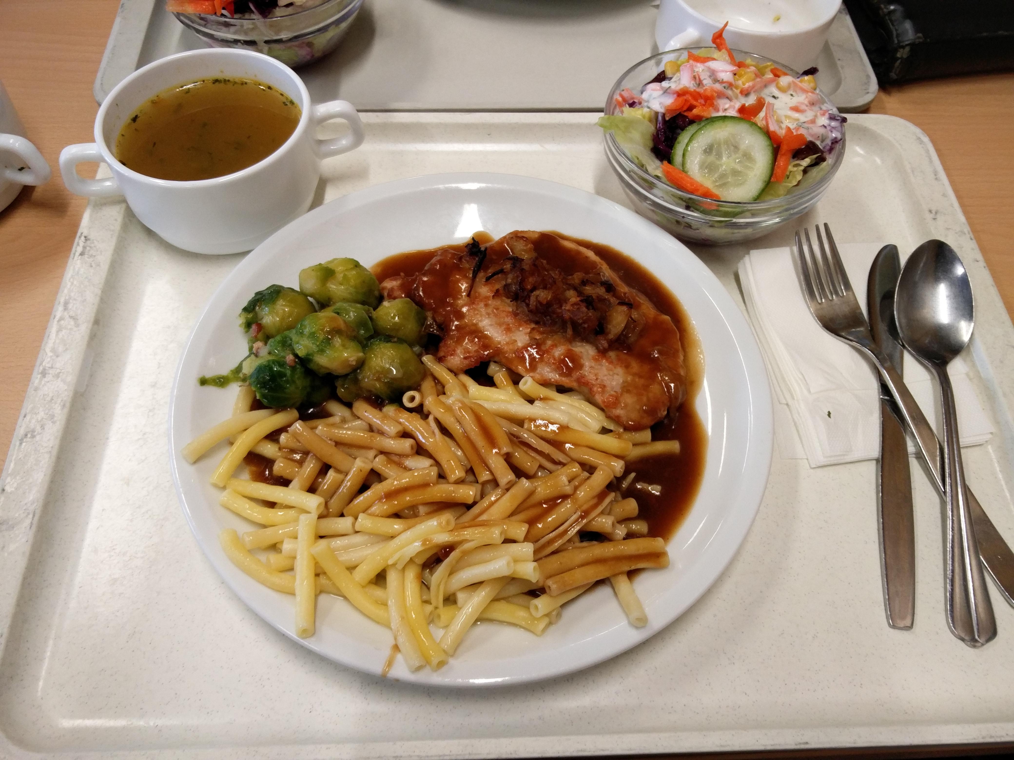 https://foodloader.net/nico_2016-02-17_zwiebelsteak-nudeln-gemuese-suppe-salat.jpg