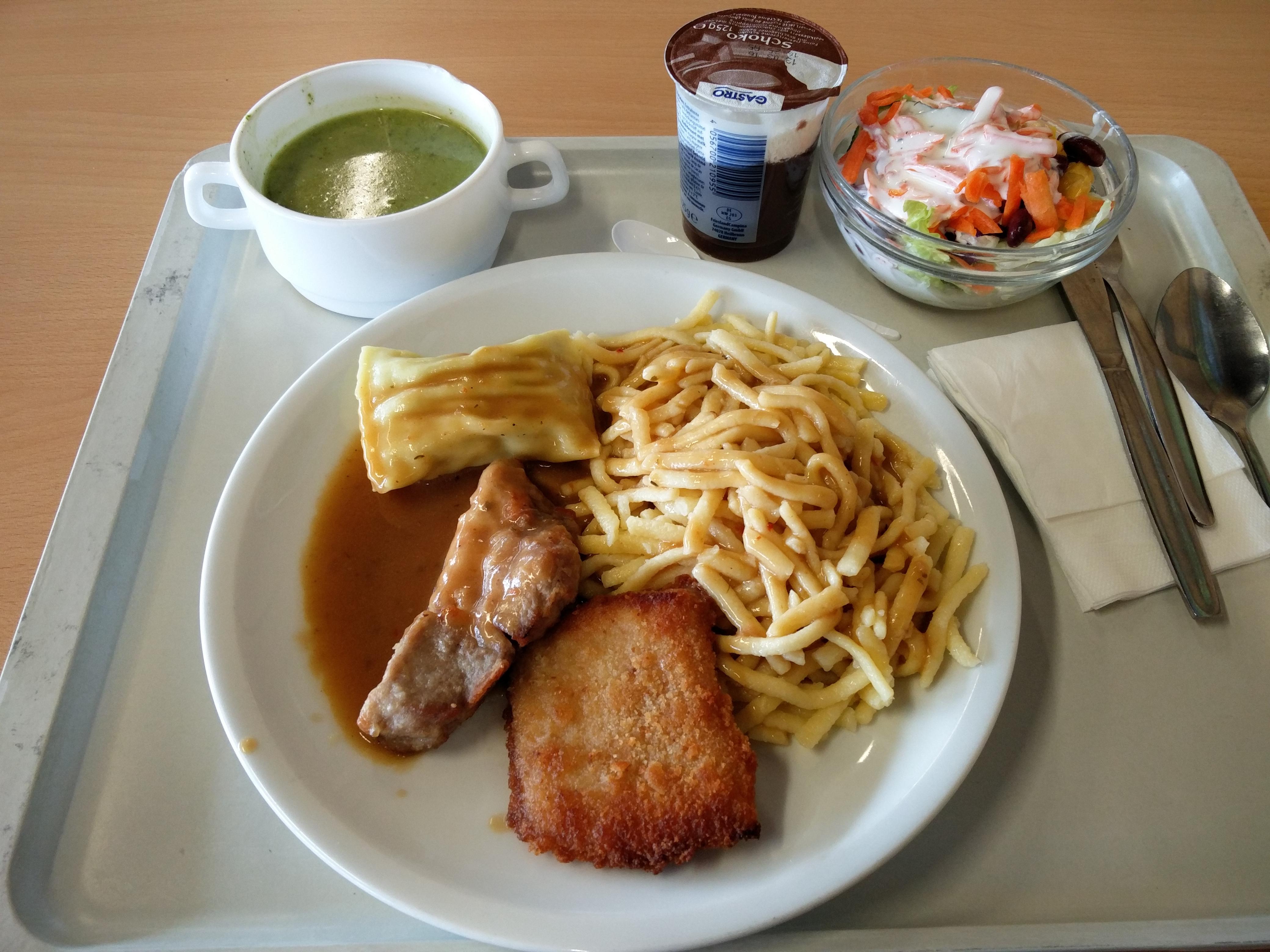 http://foodloader.net/nico_2016-02-25_schwabenteller-mit-suppe-salat-und-nachtisch.jpg