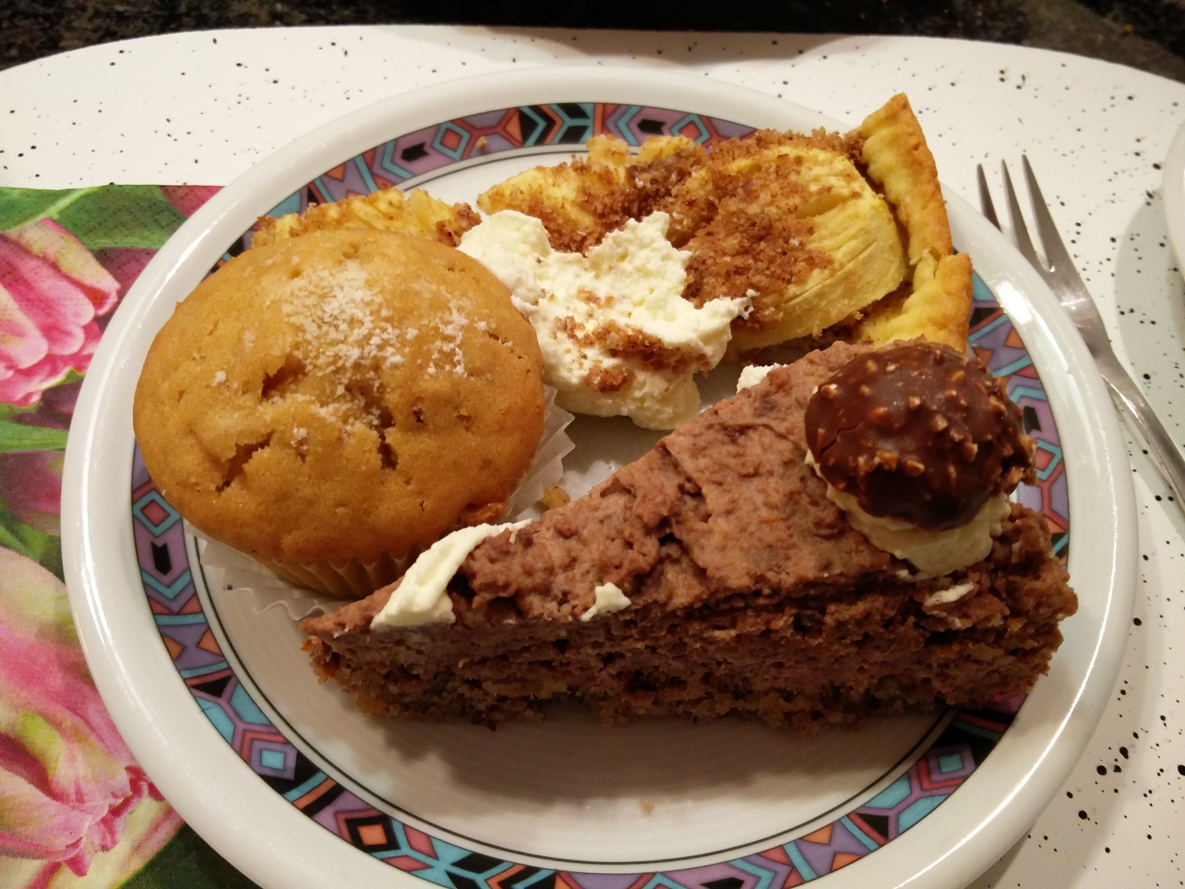 https://foodloader.net/nico_2016-03-03_apfelkuchen-rocher-torte-muffin.jpg